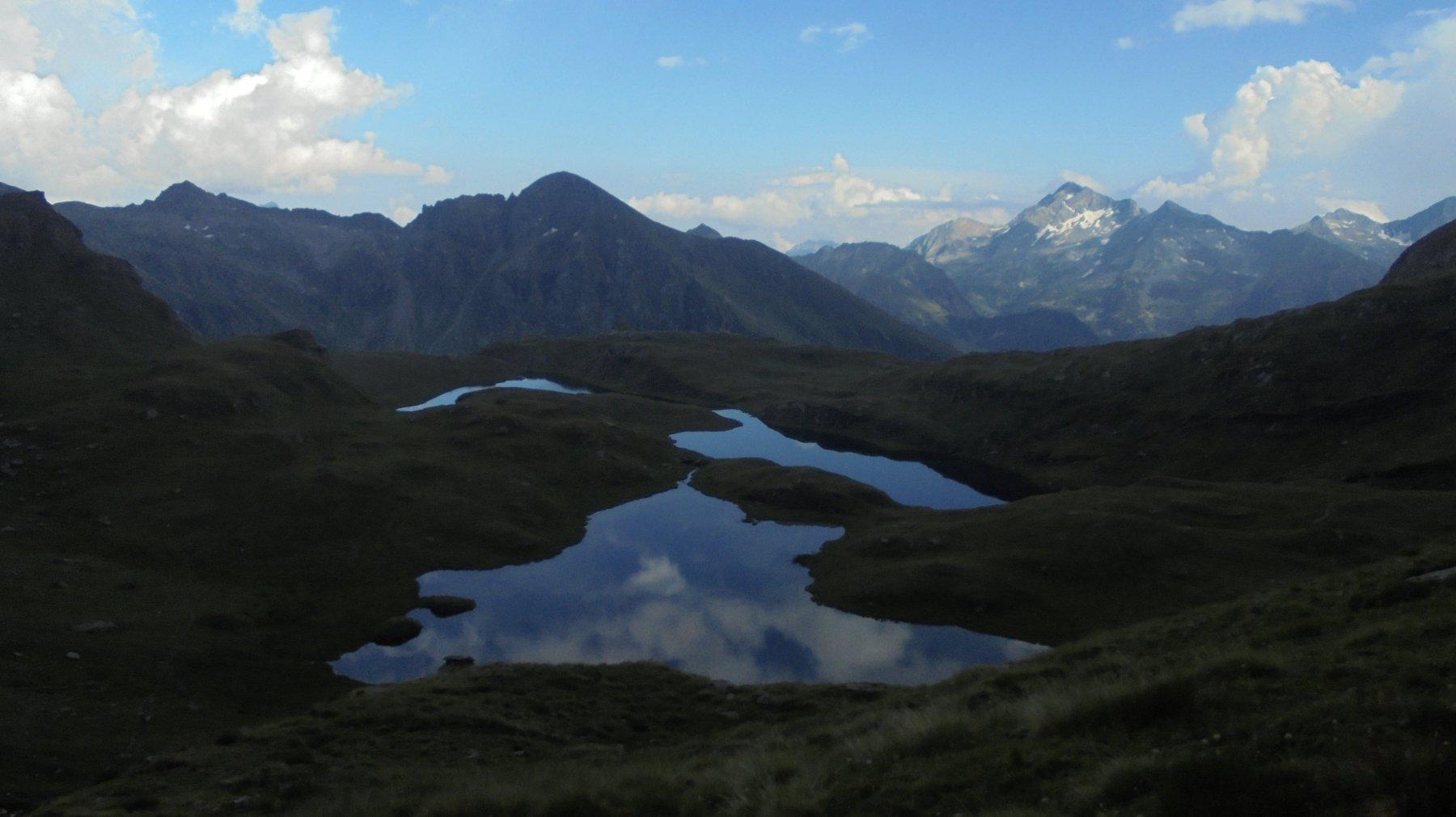 Dall'alto i laghi assumono un colore particolare