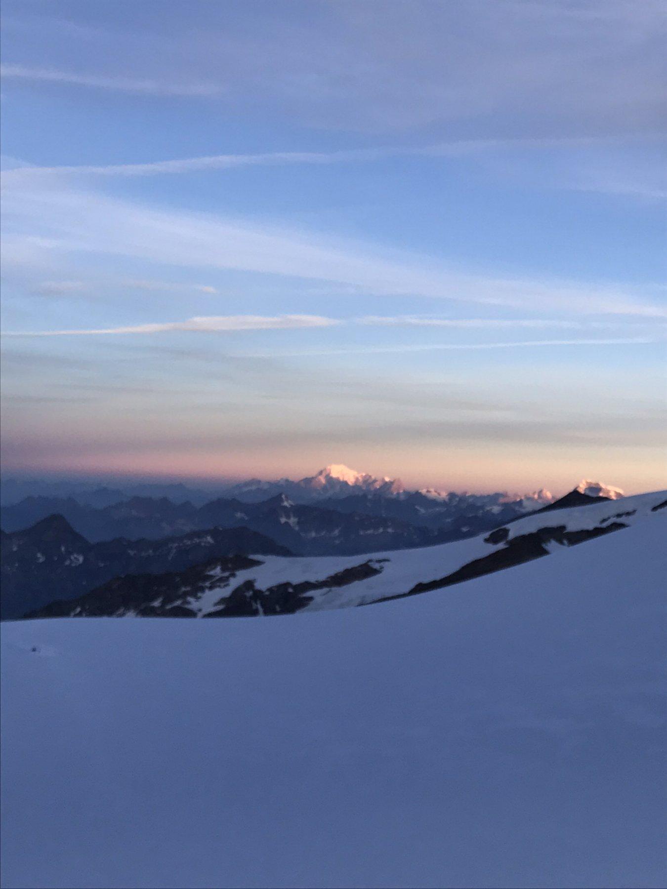 L'alba sul Bianco
