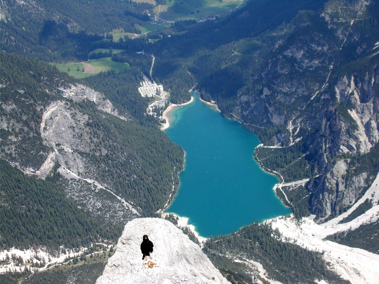 vista sul lago dalla cima