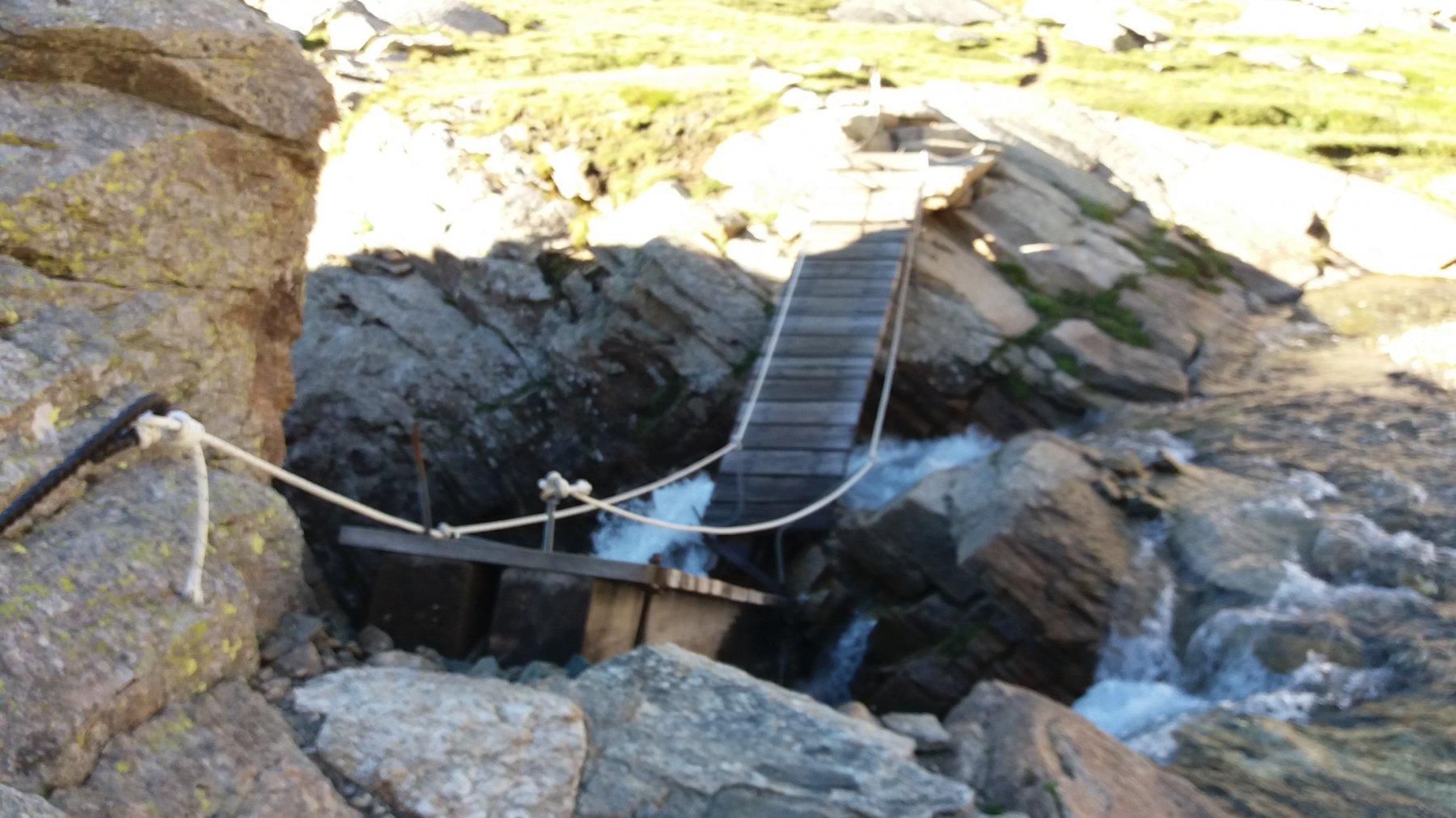 Il ponte crollato al Pian della Ballotta