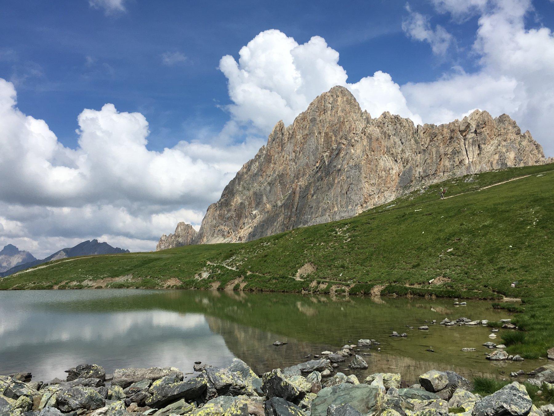 Rocca la Meja dal lago omonimo