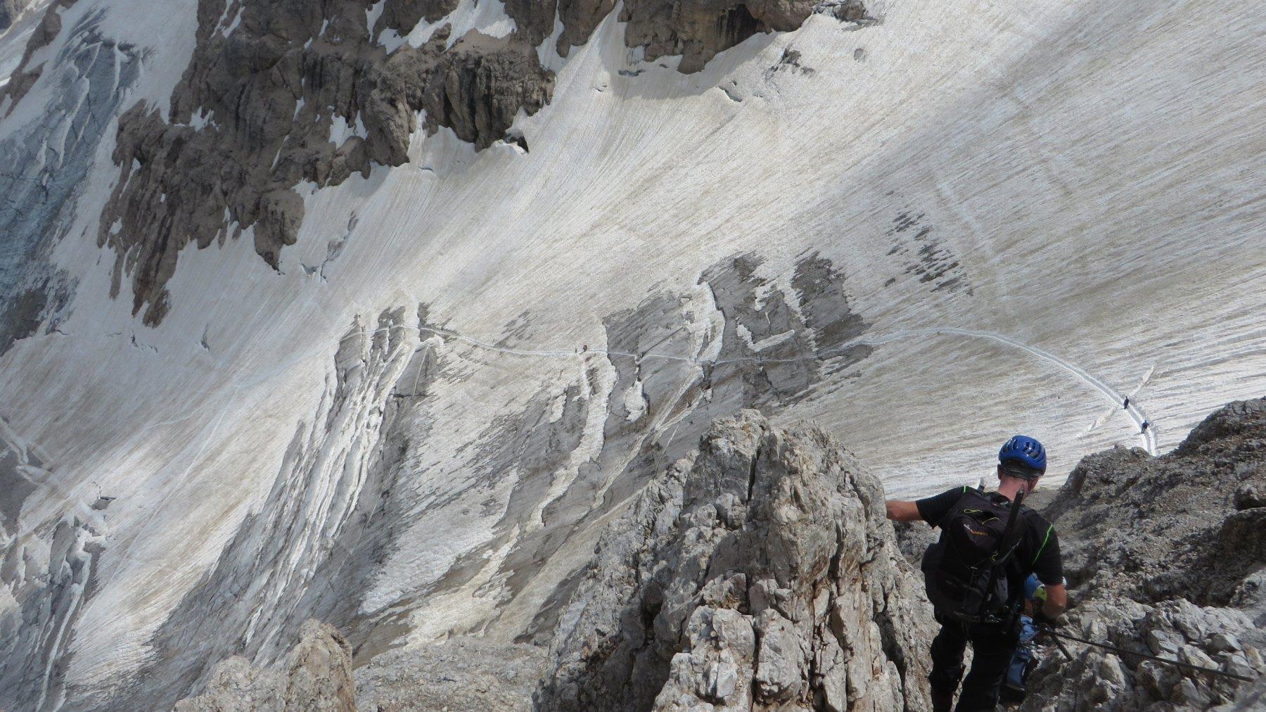 Traccia di discesa sul ghiacciaio