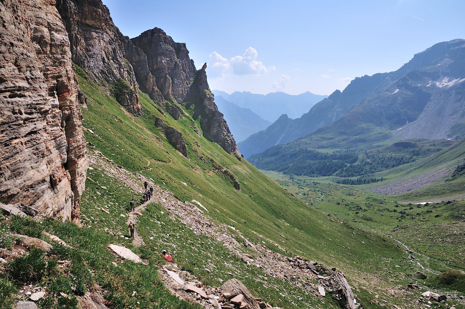 Traverso sul versante Bondolero verso la Scatta d'Orogna