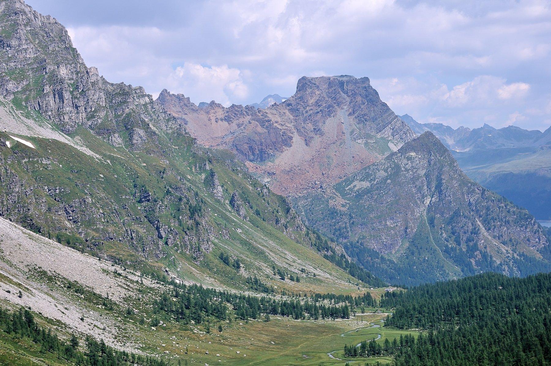 Scendendo in Val Buscagna verso Devero