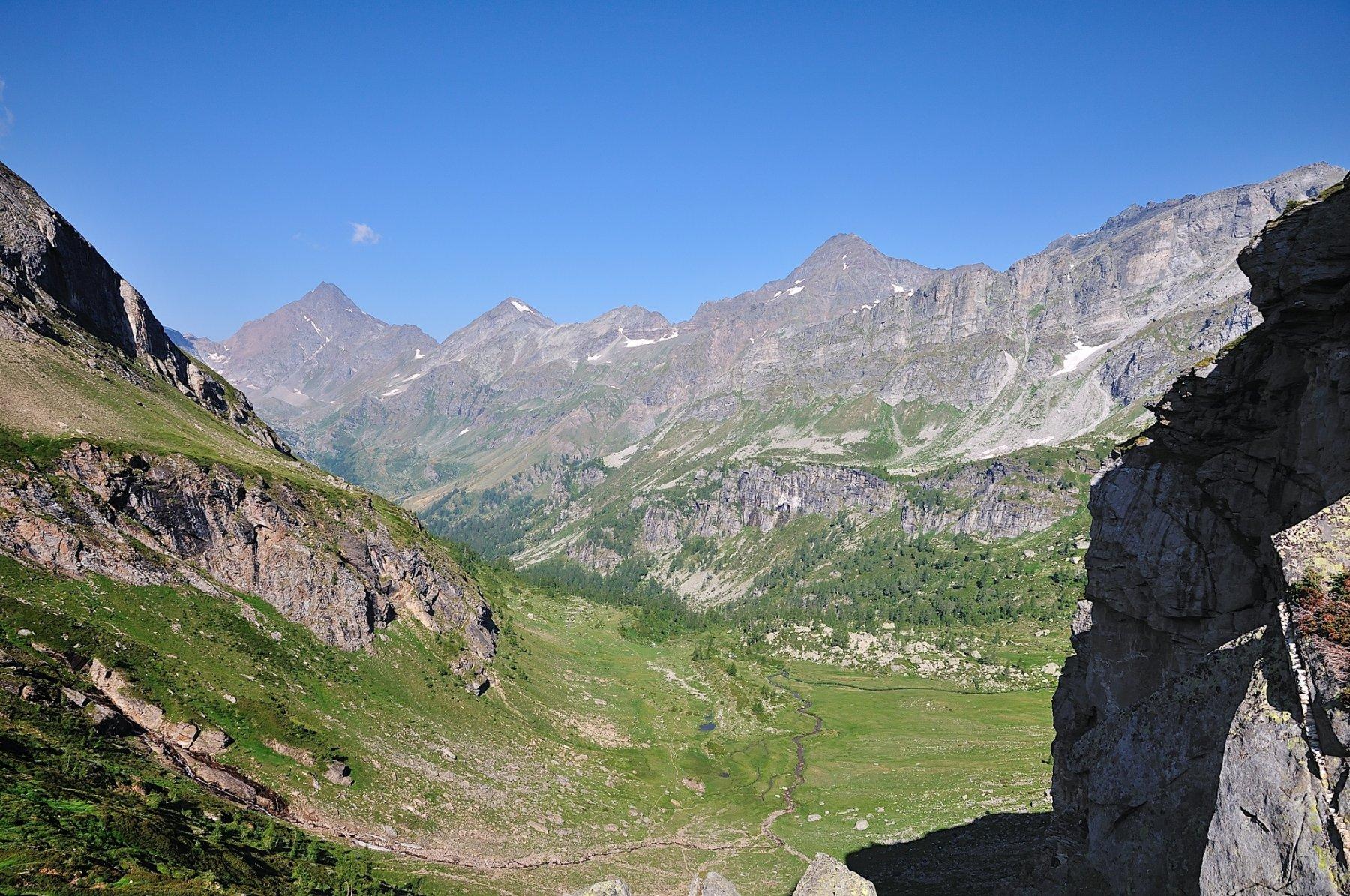 Vista sul Pian Sas Mor salendo al Passo di Valtendra