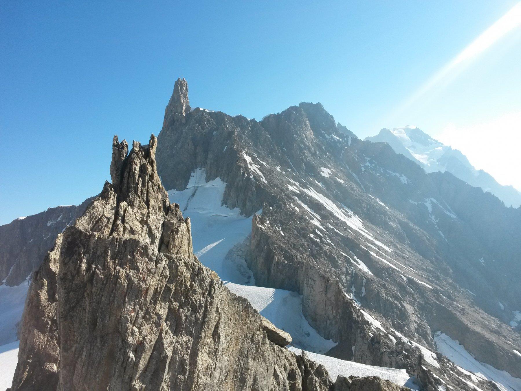 in cima alle Marbrees..punta nord..con dietro il dente del Gigante..