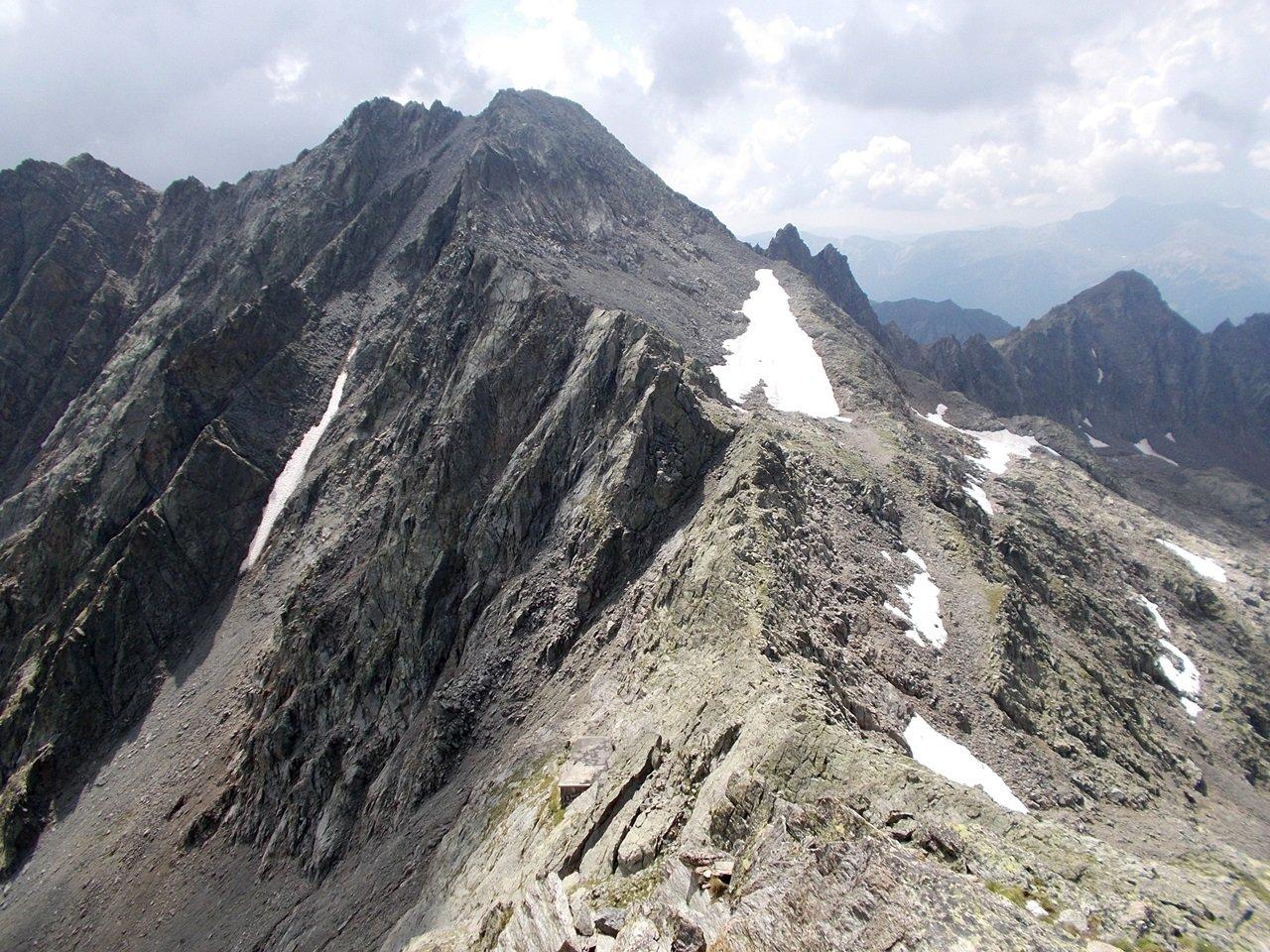 la cima vista dal Colle Tenibres