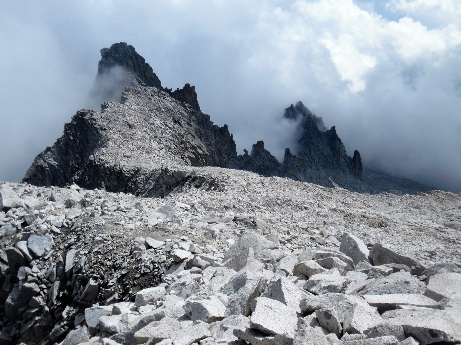 Dopo aver oltrepassato il Monte Nero. A destra la vallata di salita.