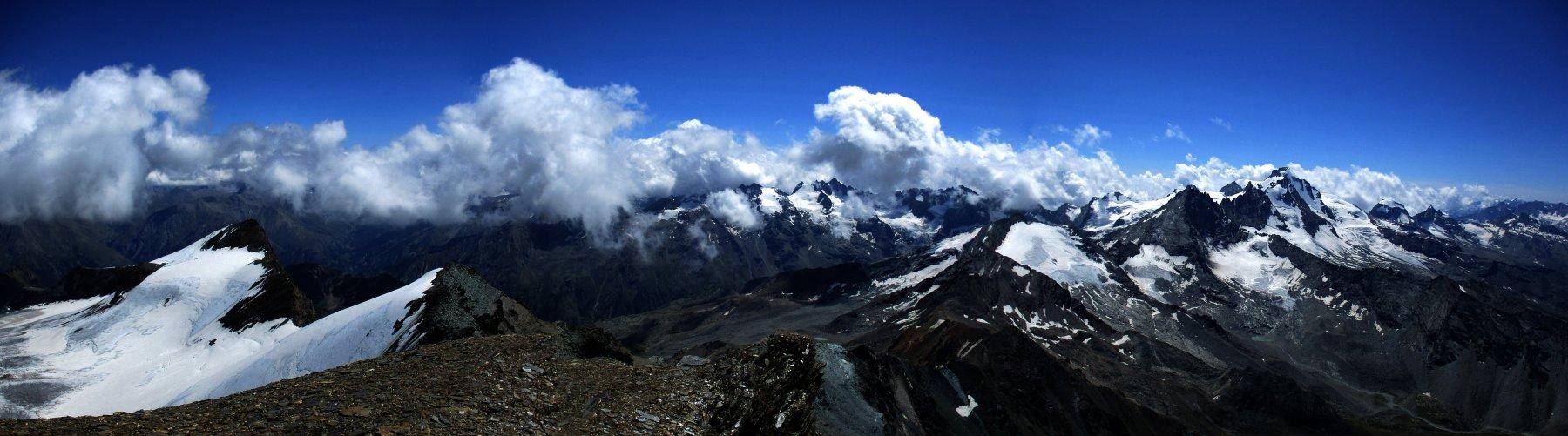Panorama verso il Gran Paradiso