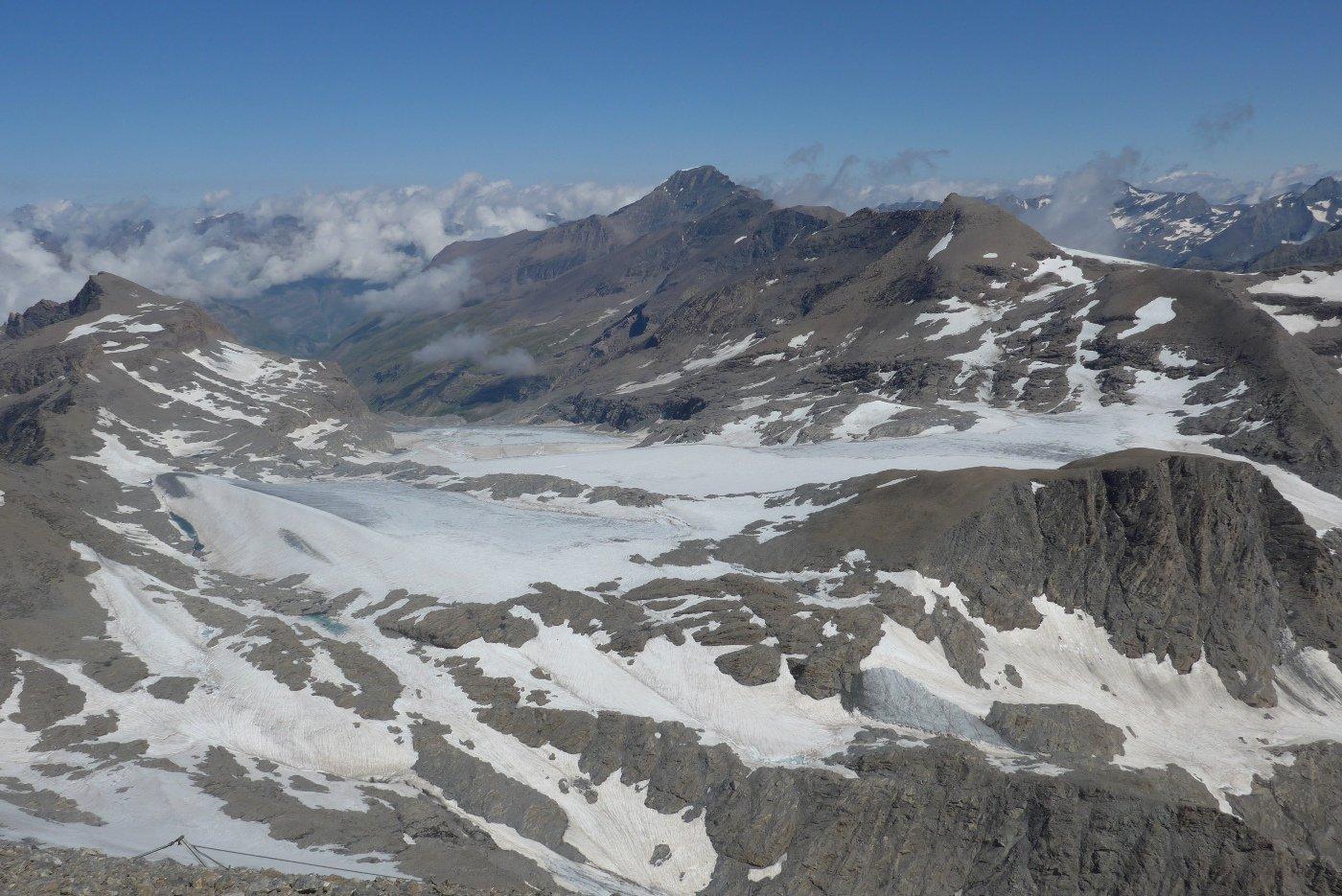 Il ghiacciaio del Rocciamelone, in condizioni un po' migliori degli anni scorsi