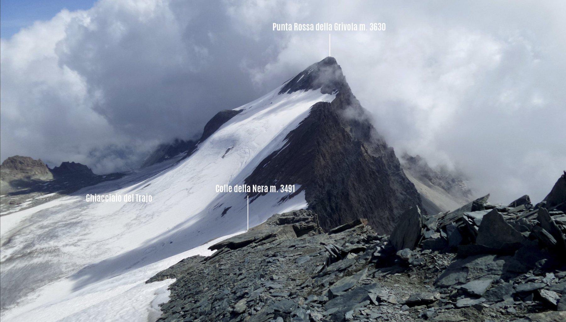 la cresta risalita, il Colle della Nera e la Punta Rossa viste dalla cima