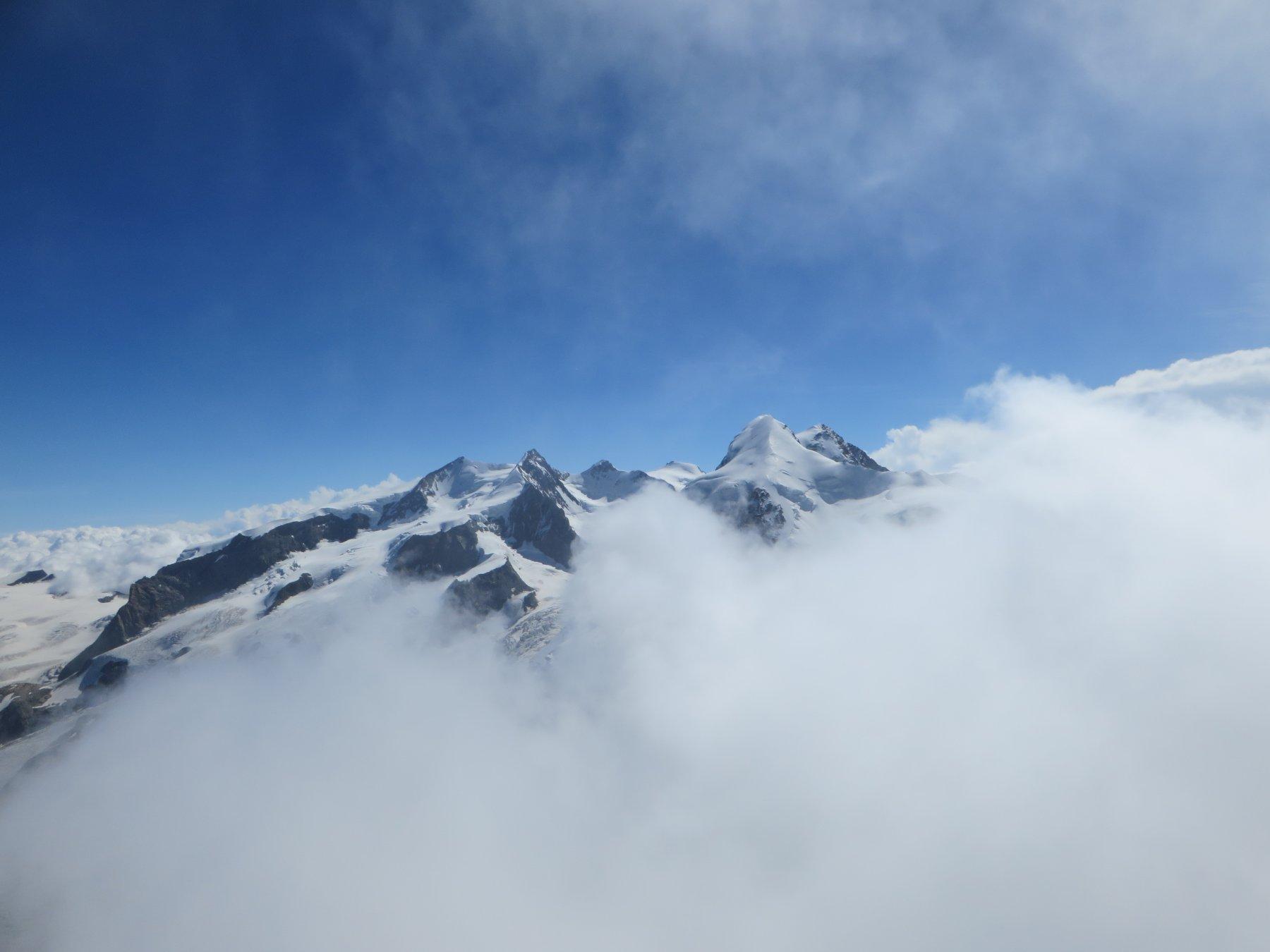 Uno scorcio dalla cima di Roccia Nera