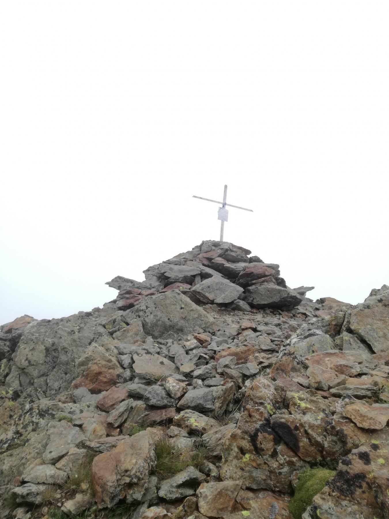 La piccola croce di vetta