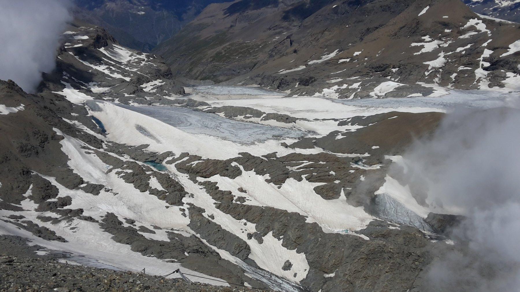 ciò che rimane del ghiacciaio del Rocciamelone