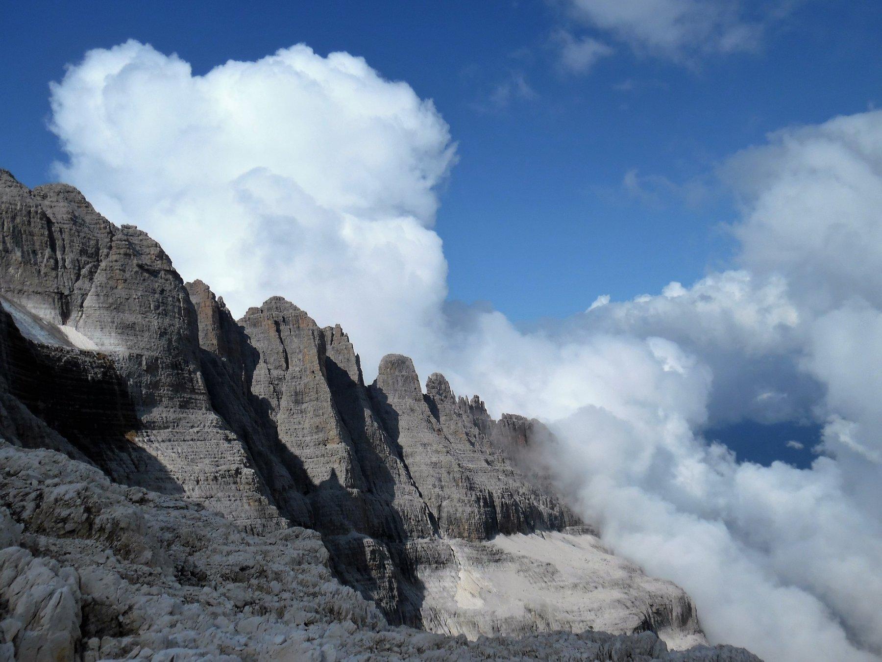 Dolomiti di Brenta da sopra la Bocca di Tickett