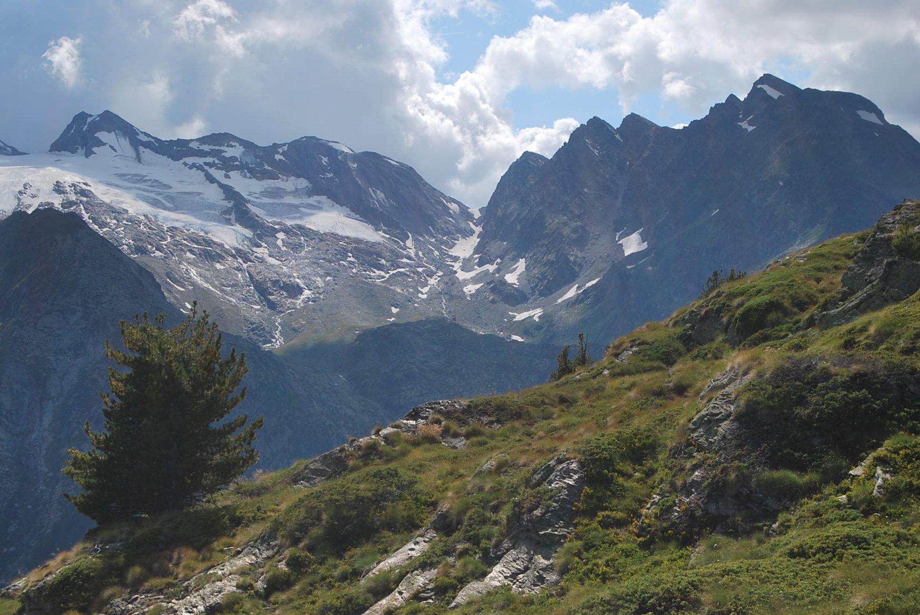 Dalla cresta sopra il colle: Rutor e Paramont