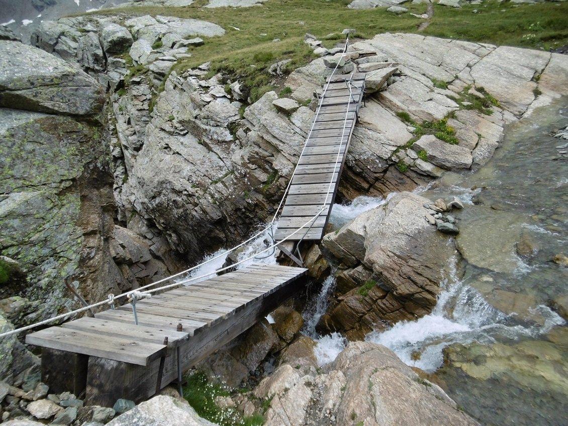 ponte rotto a Pian Ballotta