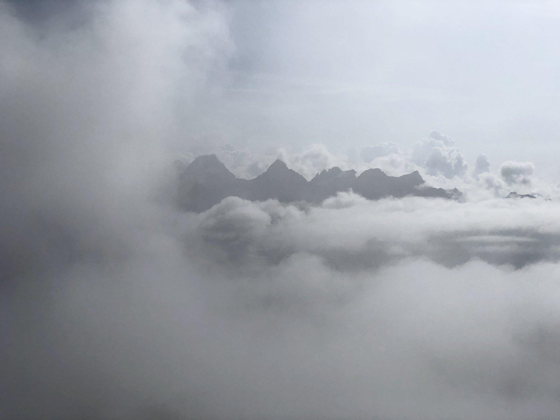 Vista dalla vetta, verso Ciarforon