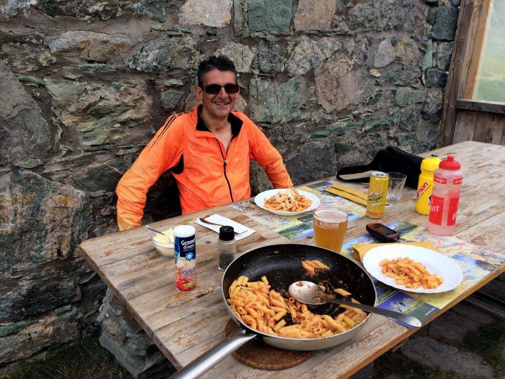 Al Rif. Gardetta Luciano fa il pieno di carboidrati.