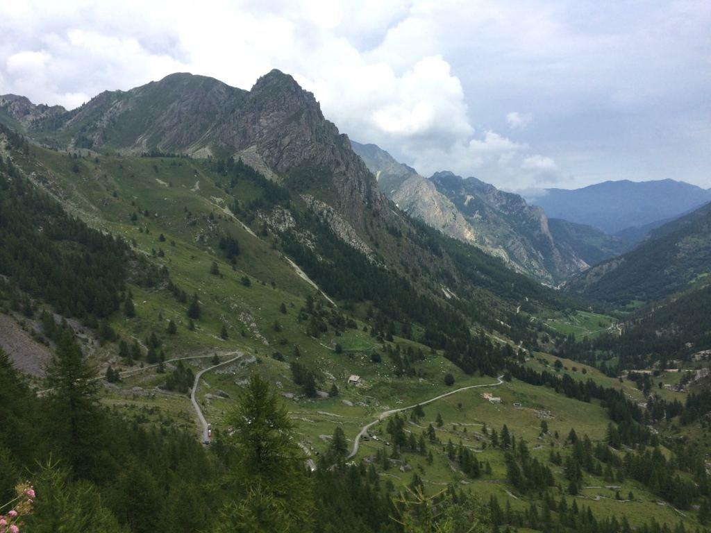 Dal Colle del Preit verso Canosio.