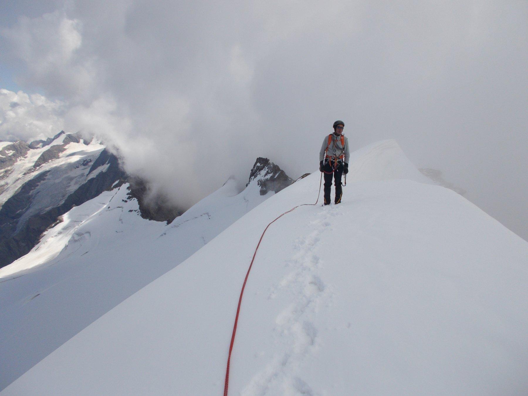 sulla calotta nevosa della cresta Gastaldi..