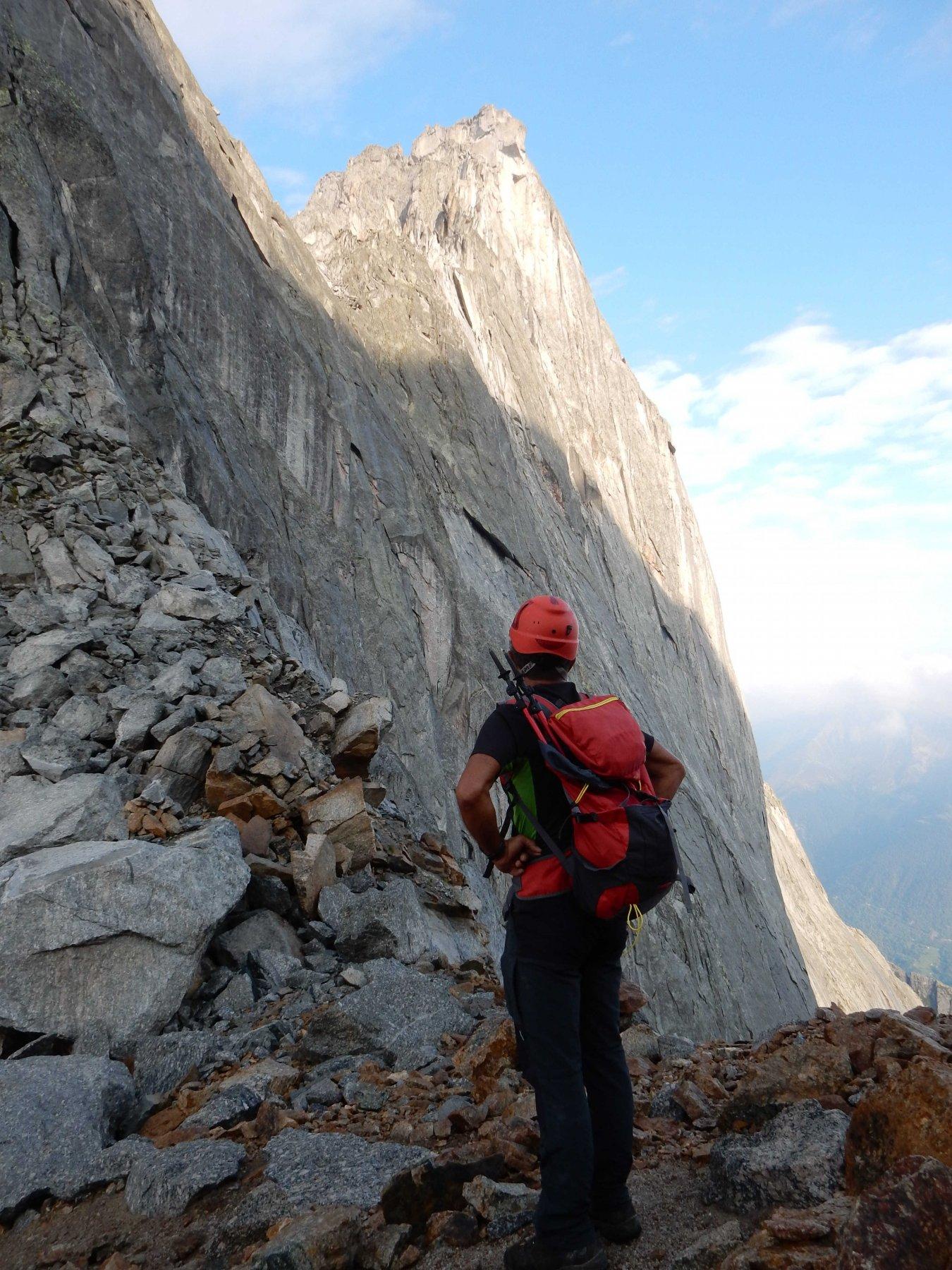 Dal Colle del Cengalo la vista sulla nord-est del P.zo Badile è spettacolare.