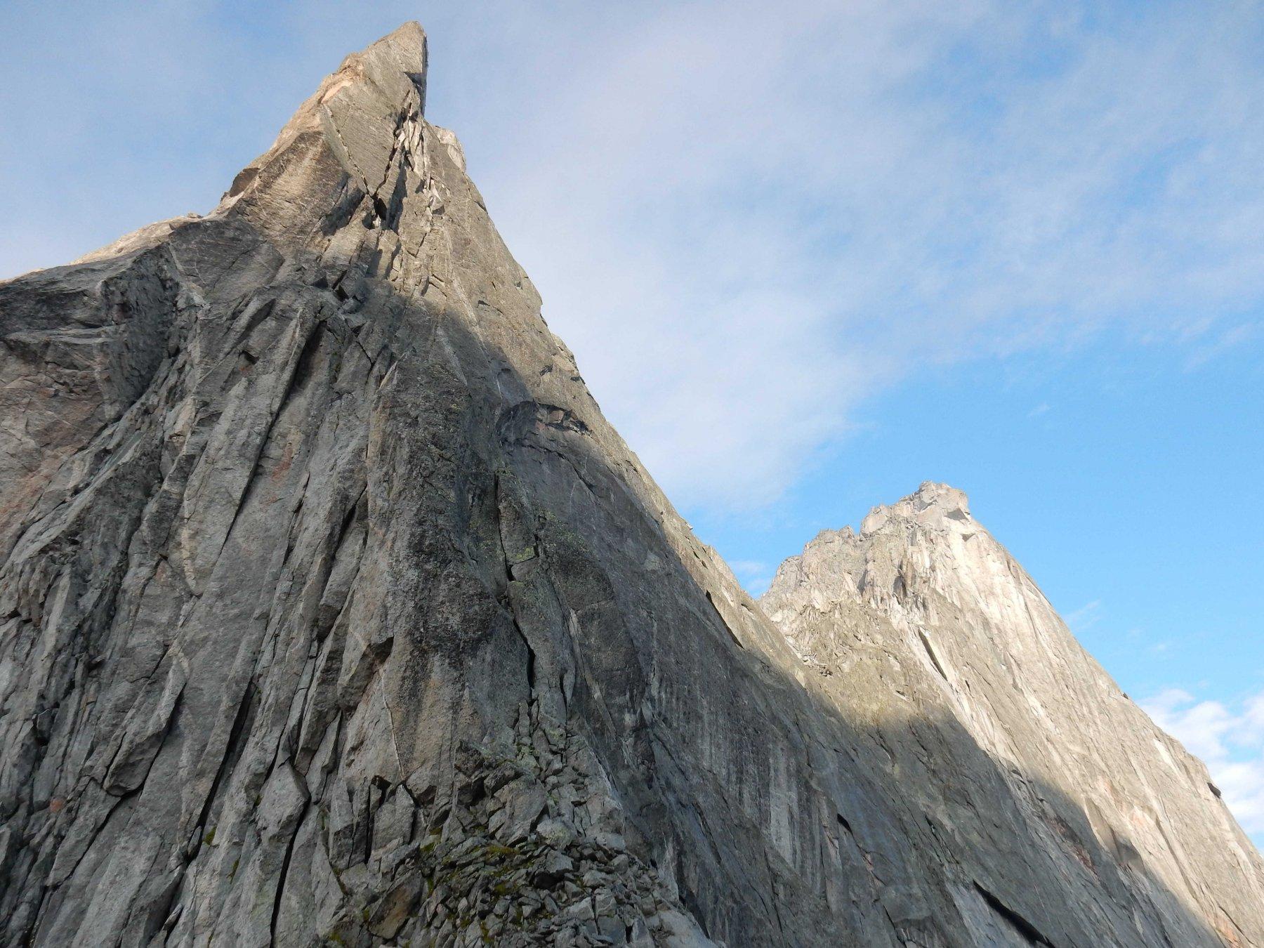 Regno del granito.Da sx Punta Sertori e la mitica nord-est del P.zo Badile.