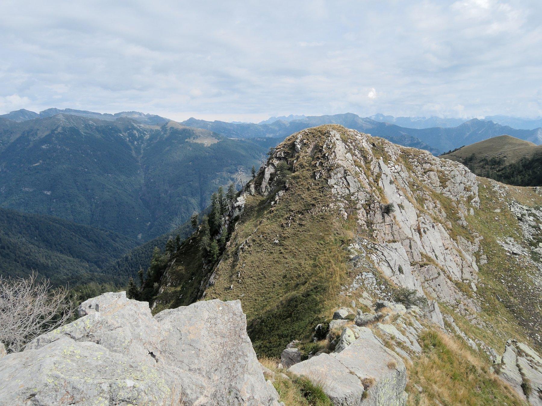 Cima di Caneto Nord.Est vista dalla cima Sud-Ovest