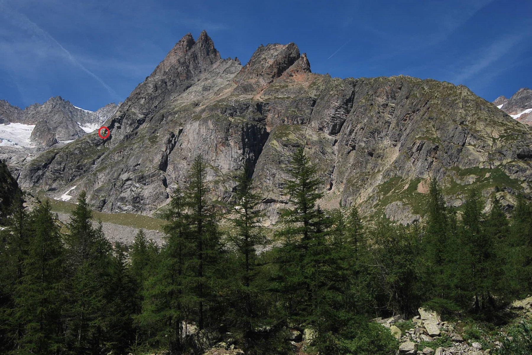 Monts Rouges de Triolet e rifugio visti da Arnouvaz