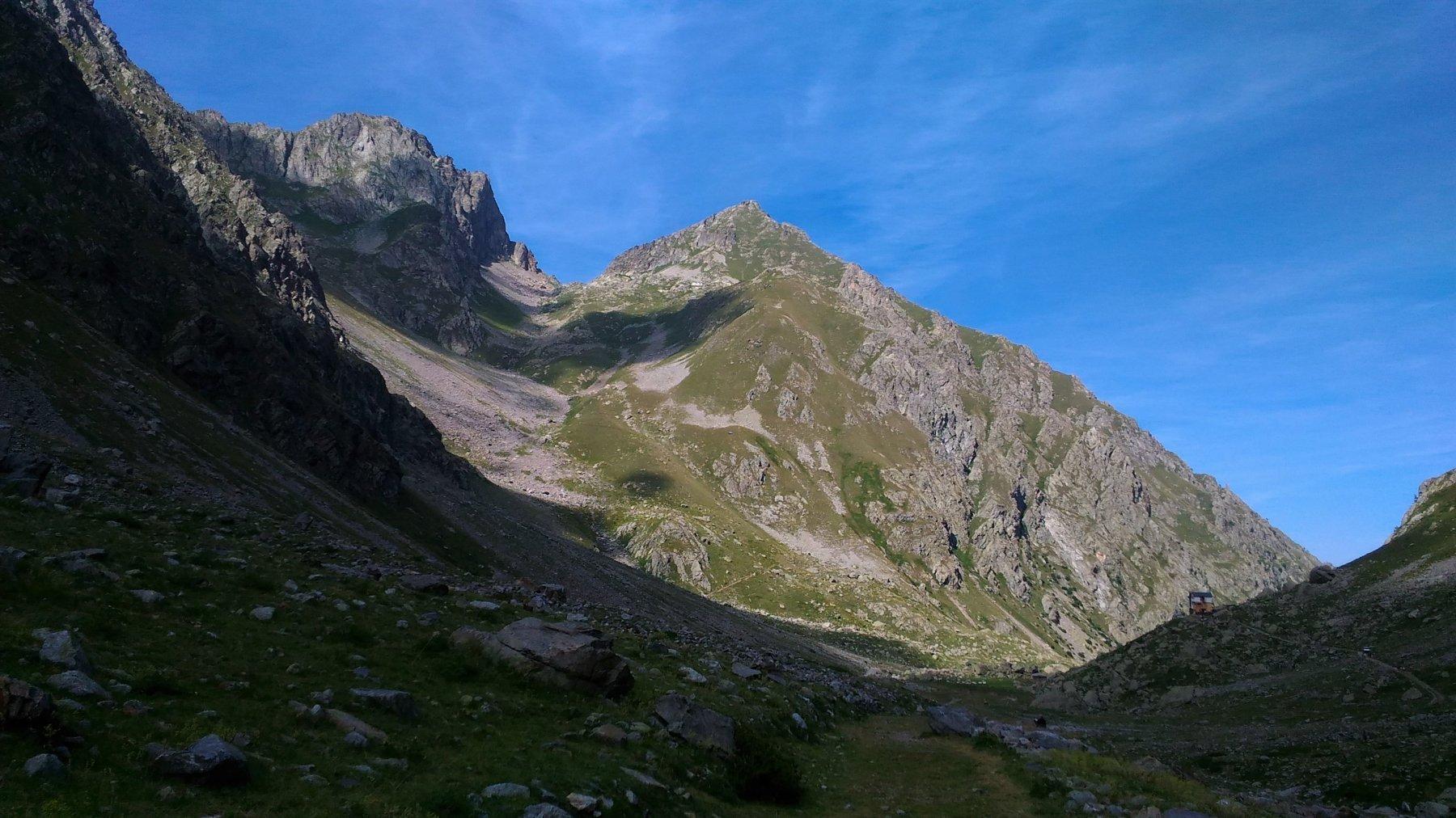 Punta di fenestrelle a vallone di salita, visti dall'itinerario del Colle di Finestra