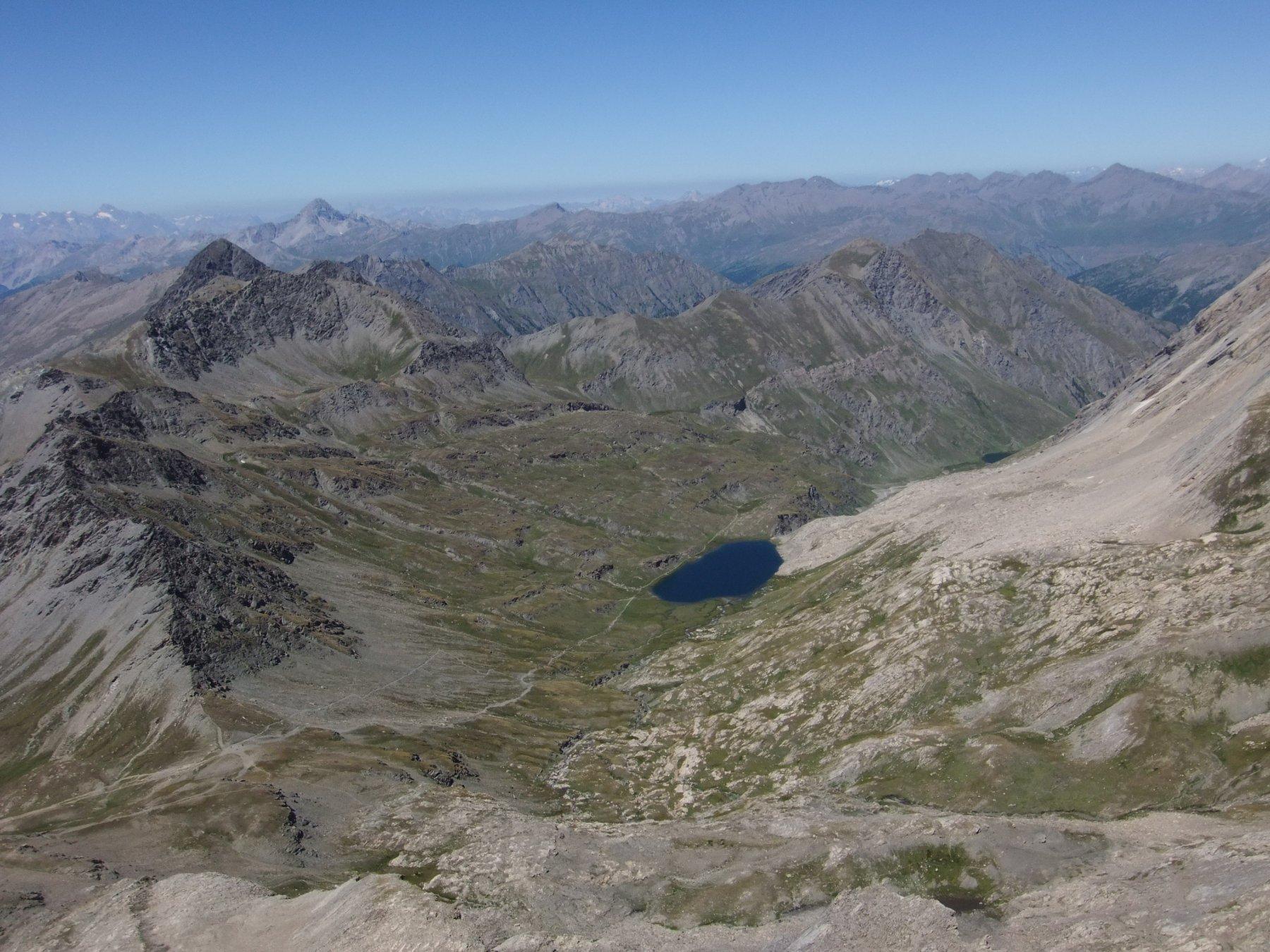 Dalla cima , il vallone con il Lac Foreant