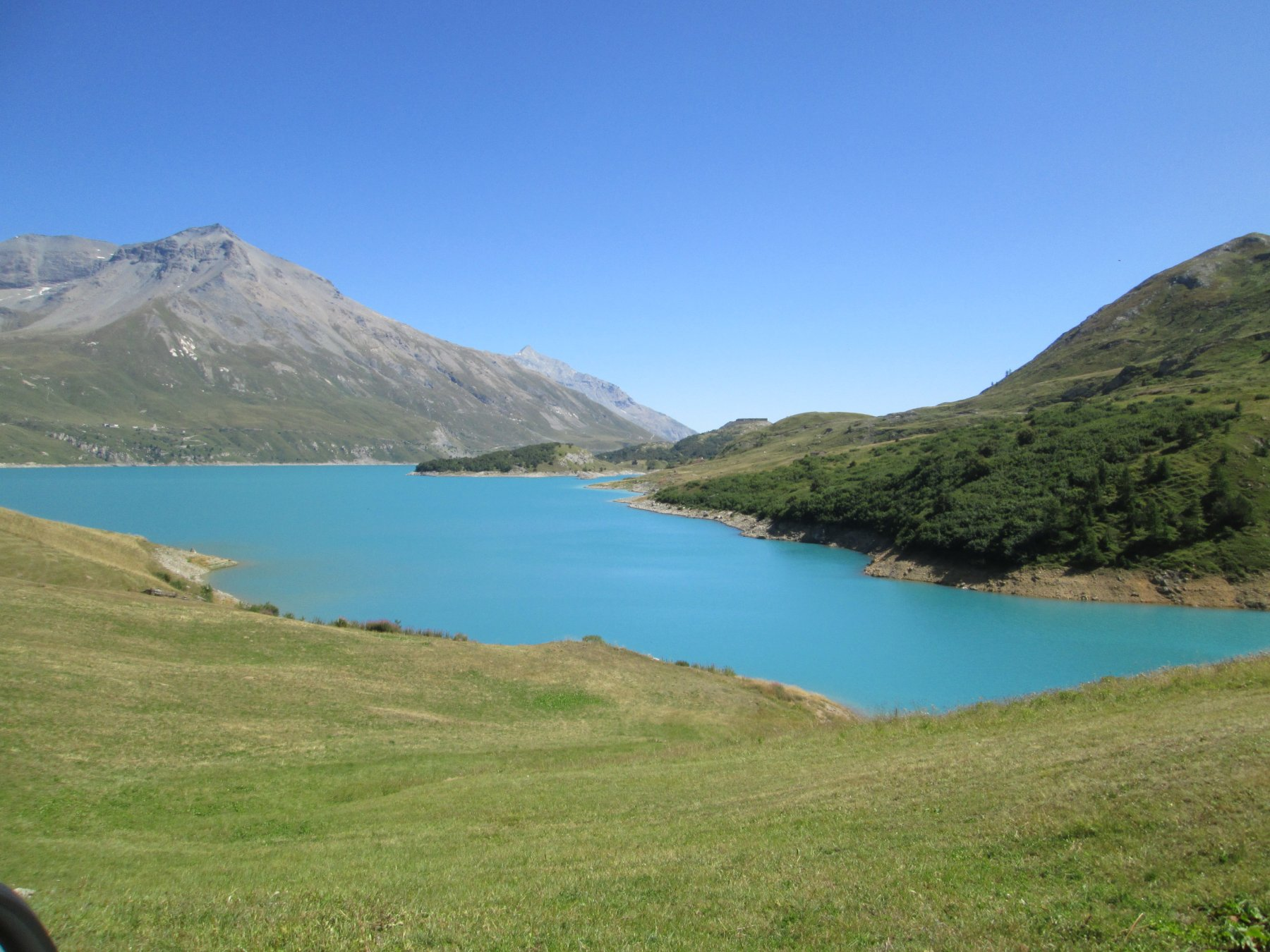 il colore azzurro del Lago del Moncenisio