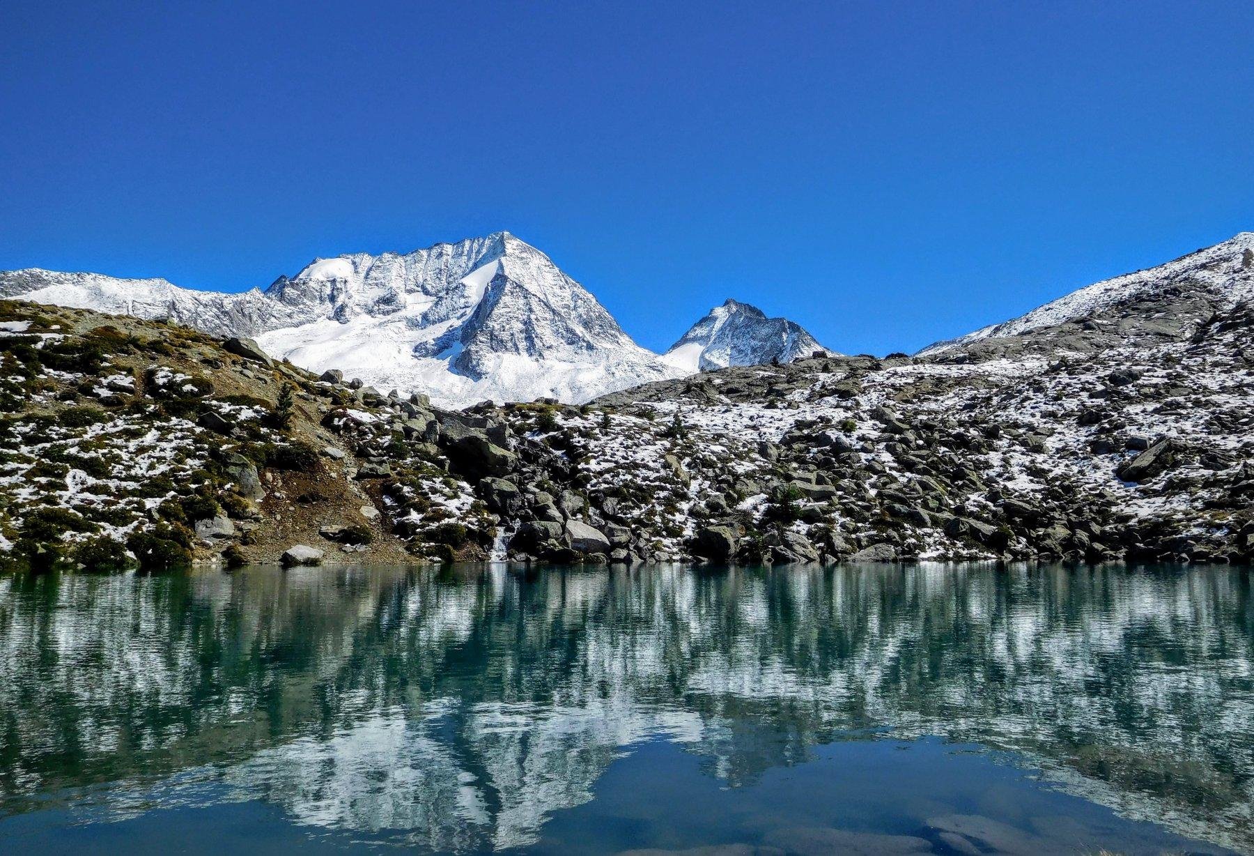 il meraviglioso laghetto a due passi dal rifugio