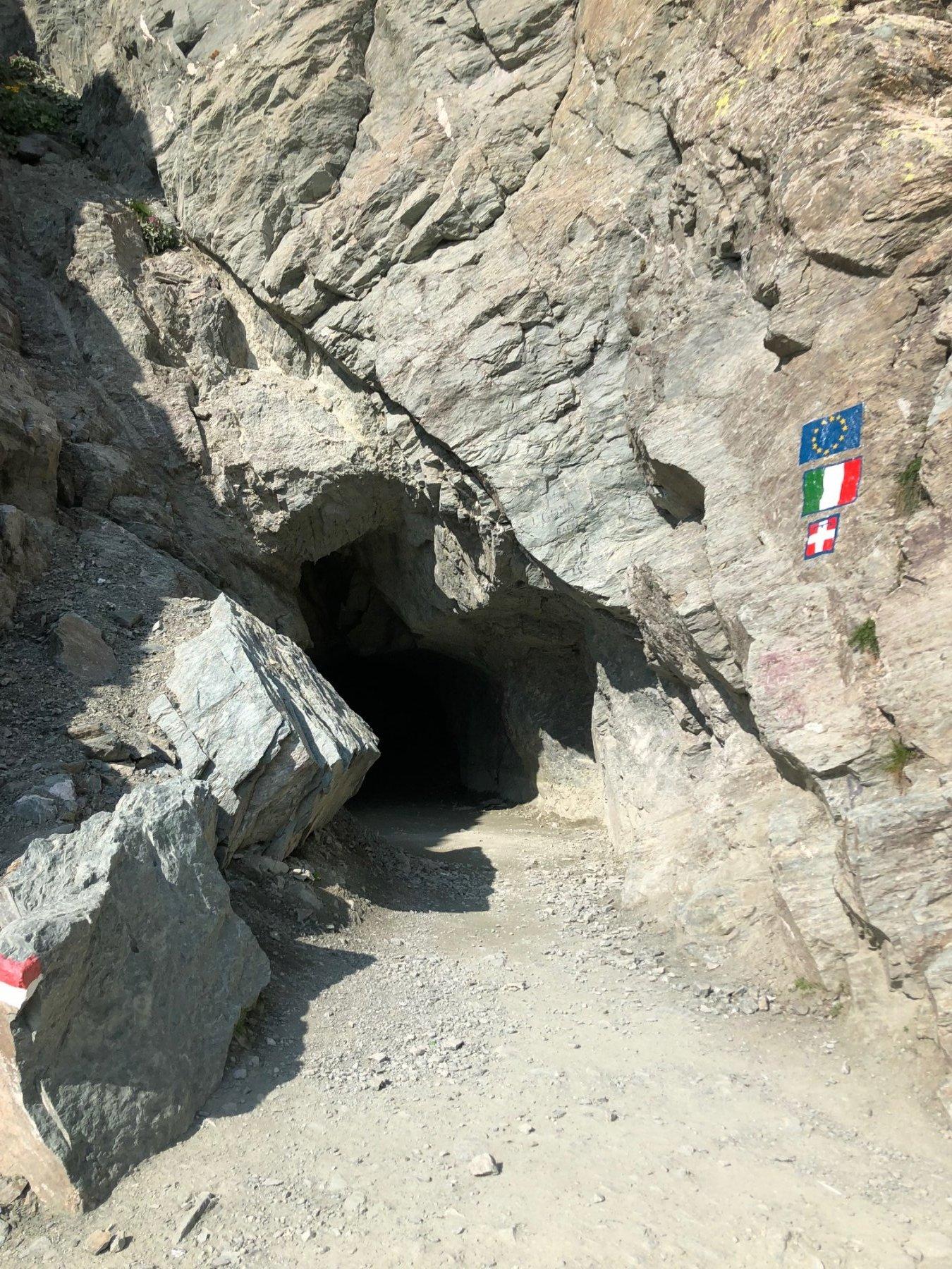 L'accesso al Buco di Viso dal versante italiano