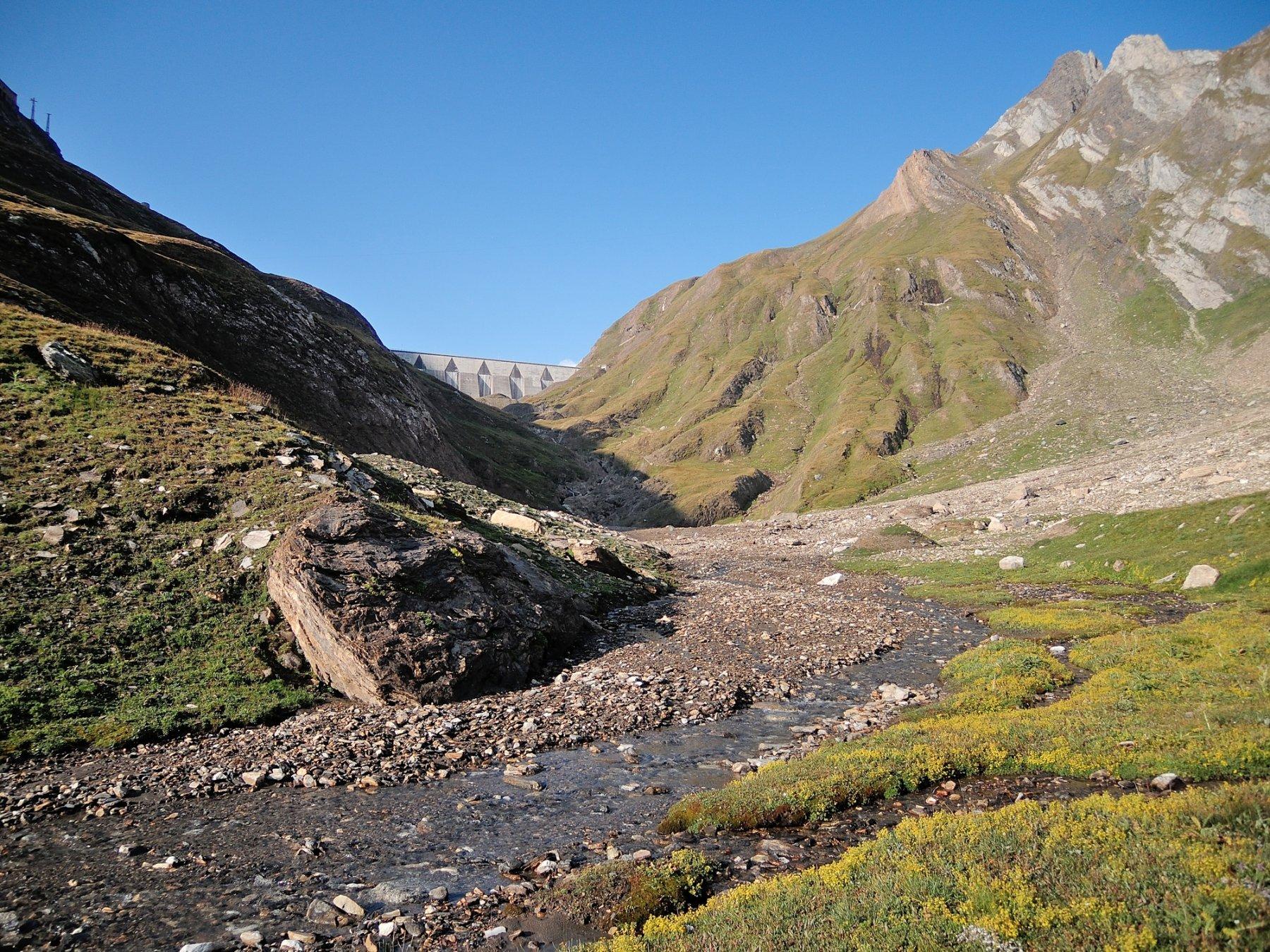 Salendo lungo il Rio del Sabbione