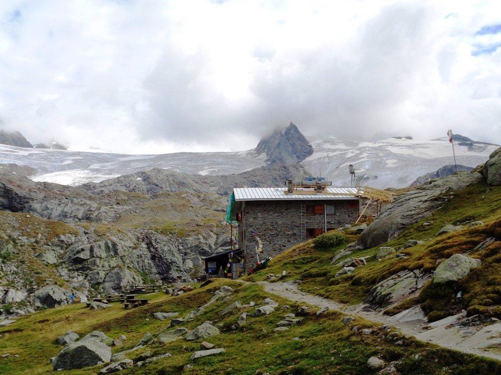 Rifugio Deffeyes e ghiacciaio
