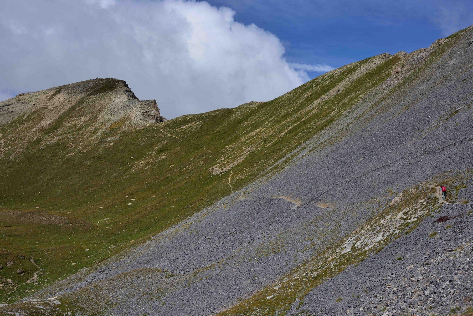 La traccia che sale alla vetta del monte Soubeyran.