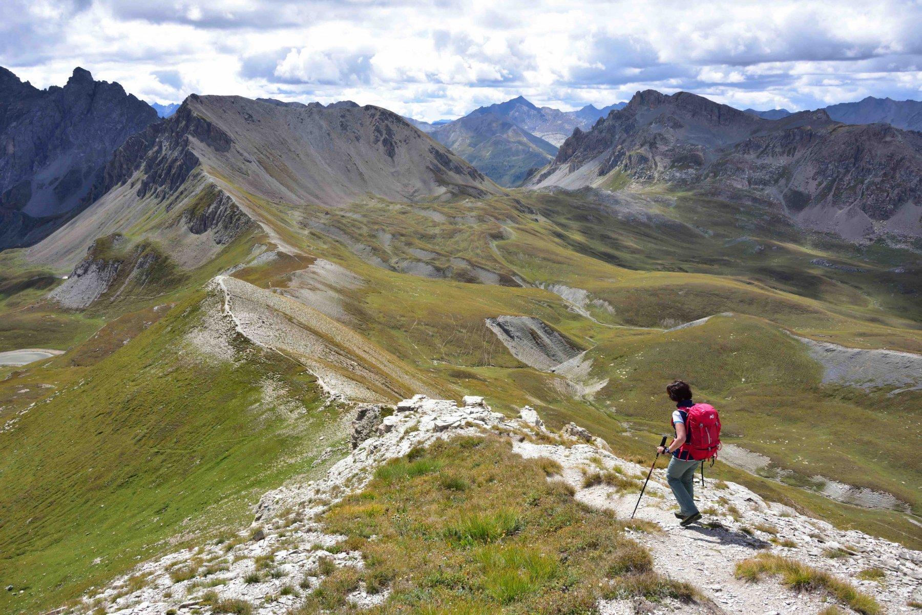 Scendendo la cresta Sud del Soubeyran verso il Colle delle Munie.
