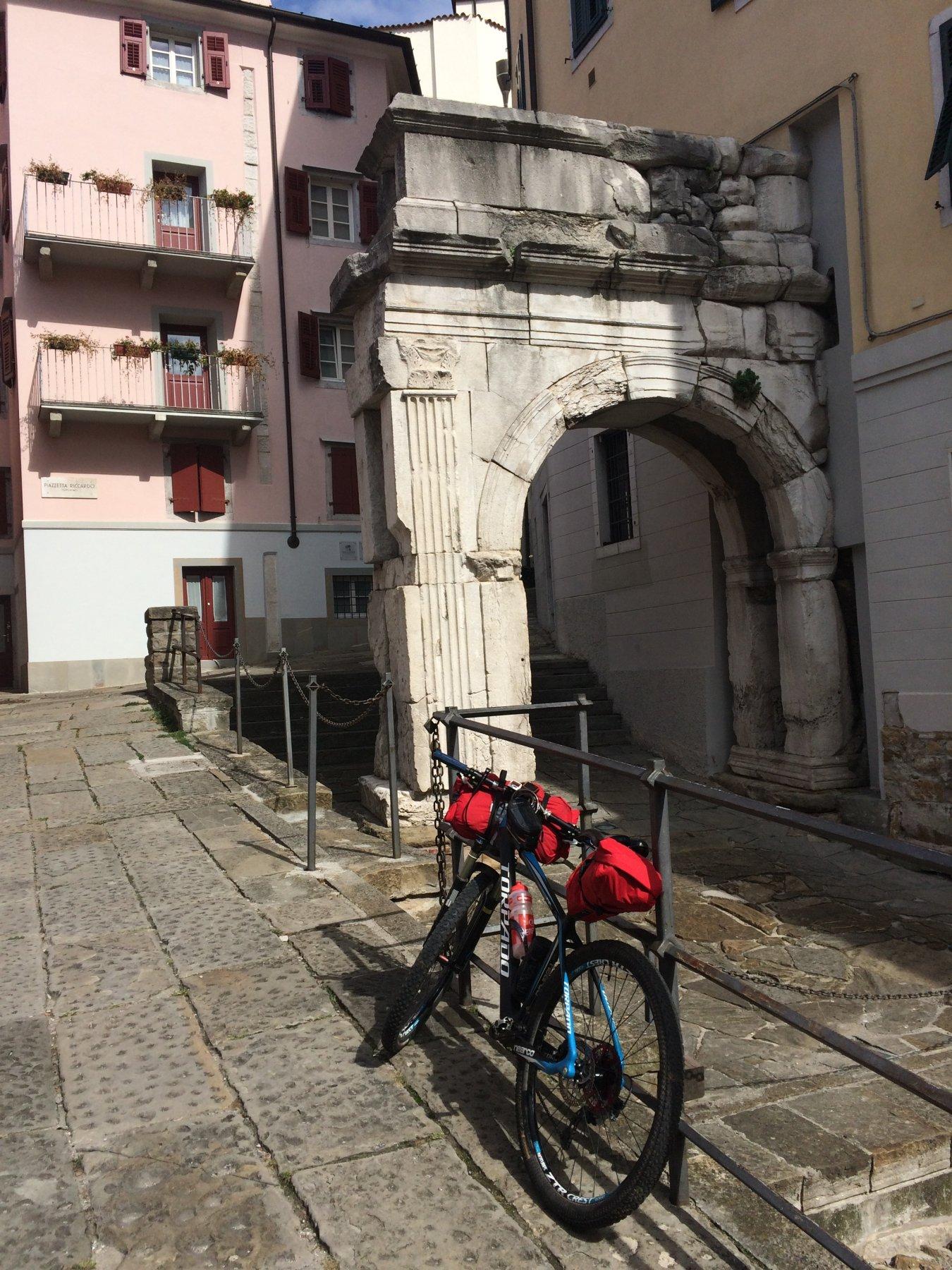 Trieste Arco di Riccardo.