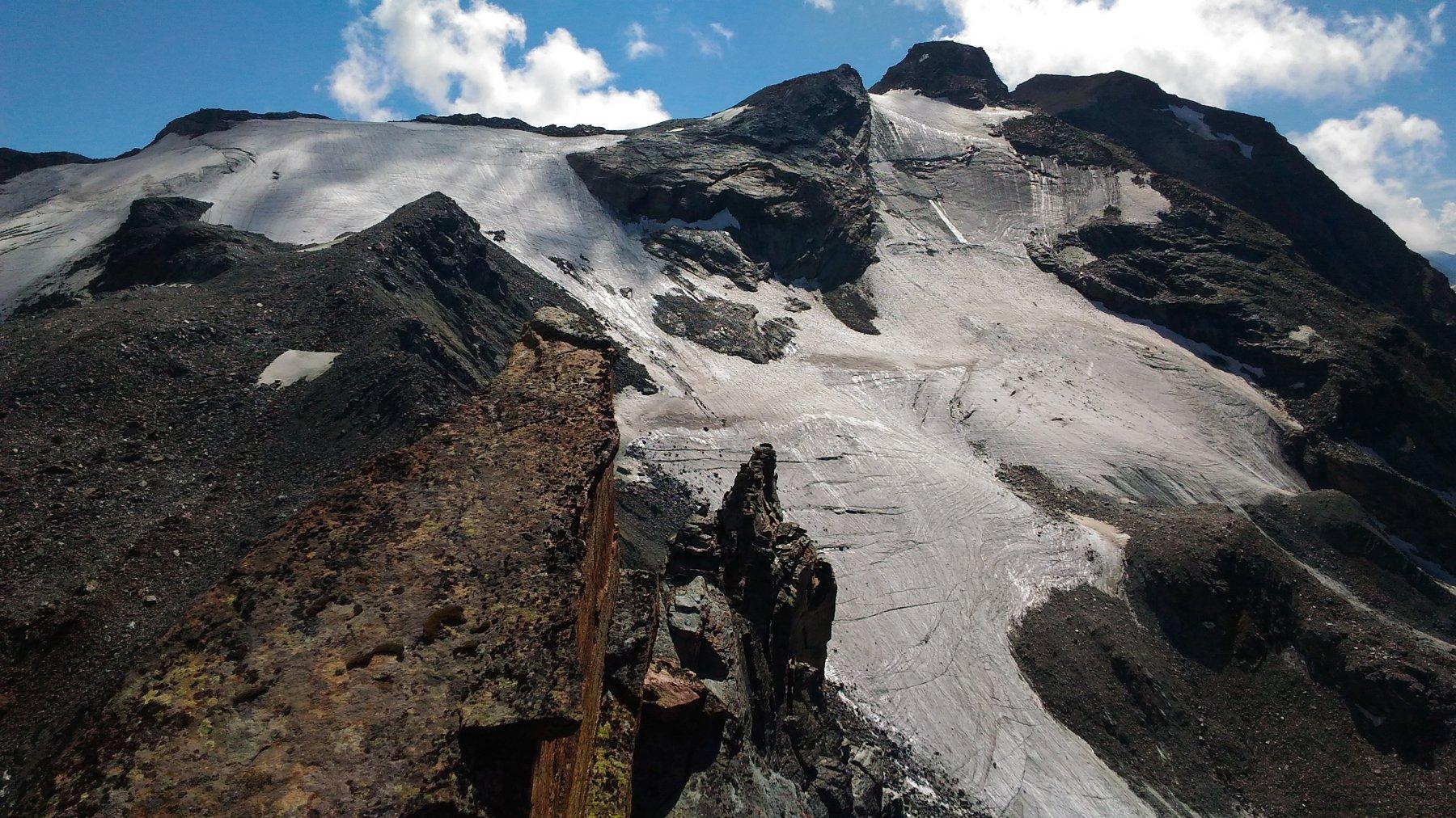 Dalla punta, vista verso Entrelor e Taou Blanc