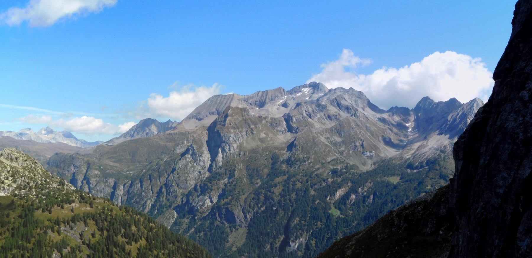 Il panorama verso la Val Formazza.