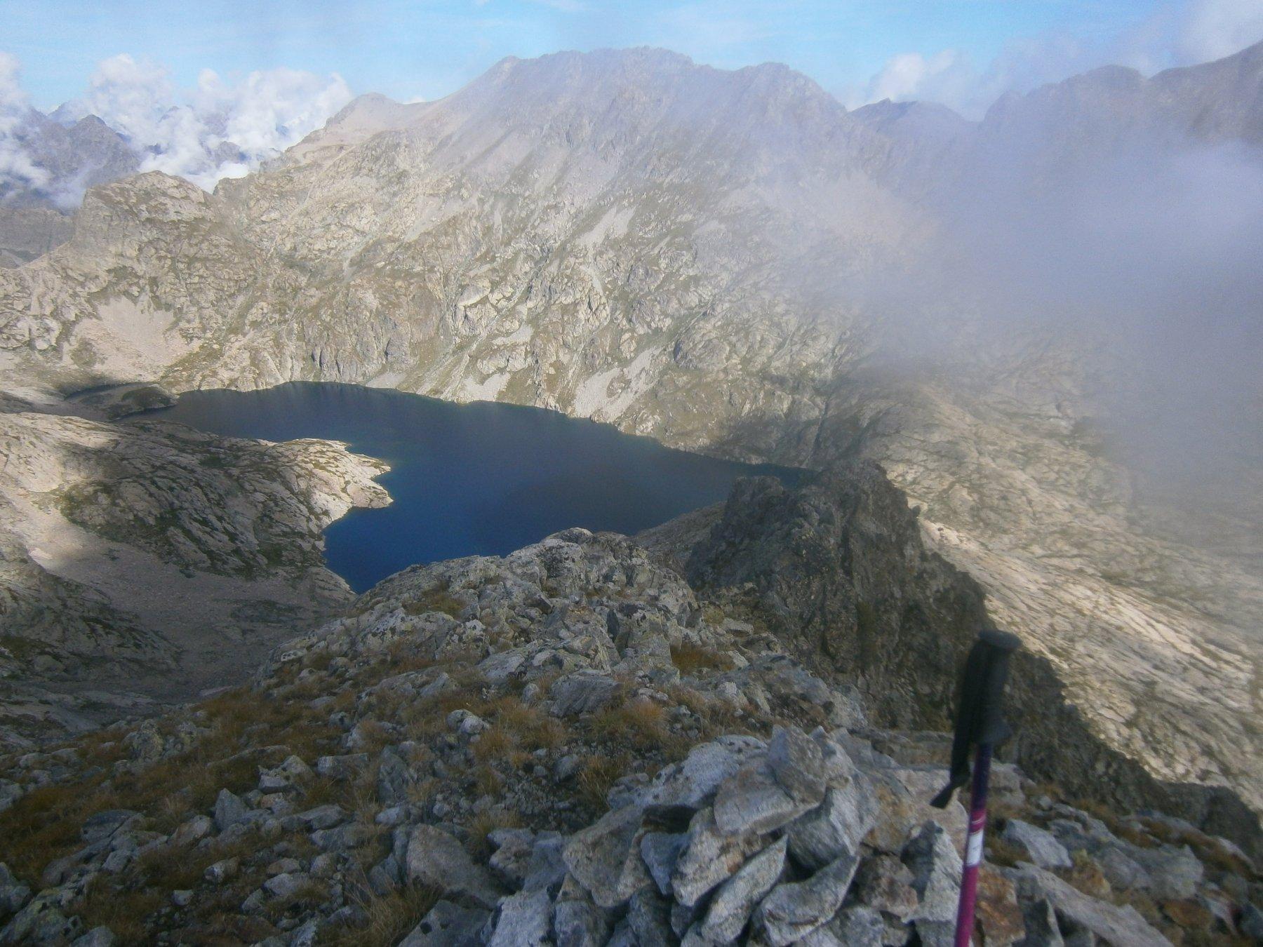 Il grande lago dell'Agnel dalla cima