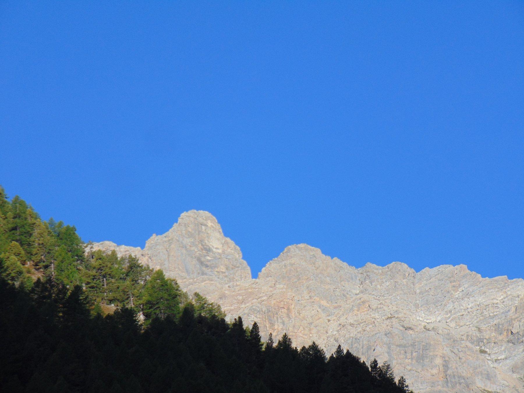 Le Rocche Dell' Enfourant viste dai Rifugi di Valle Stretta