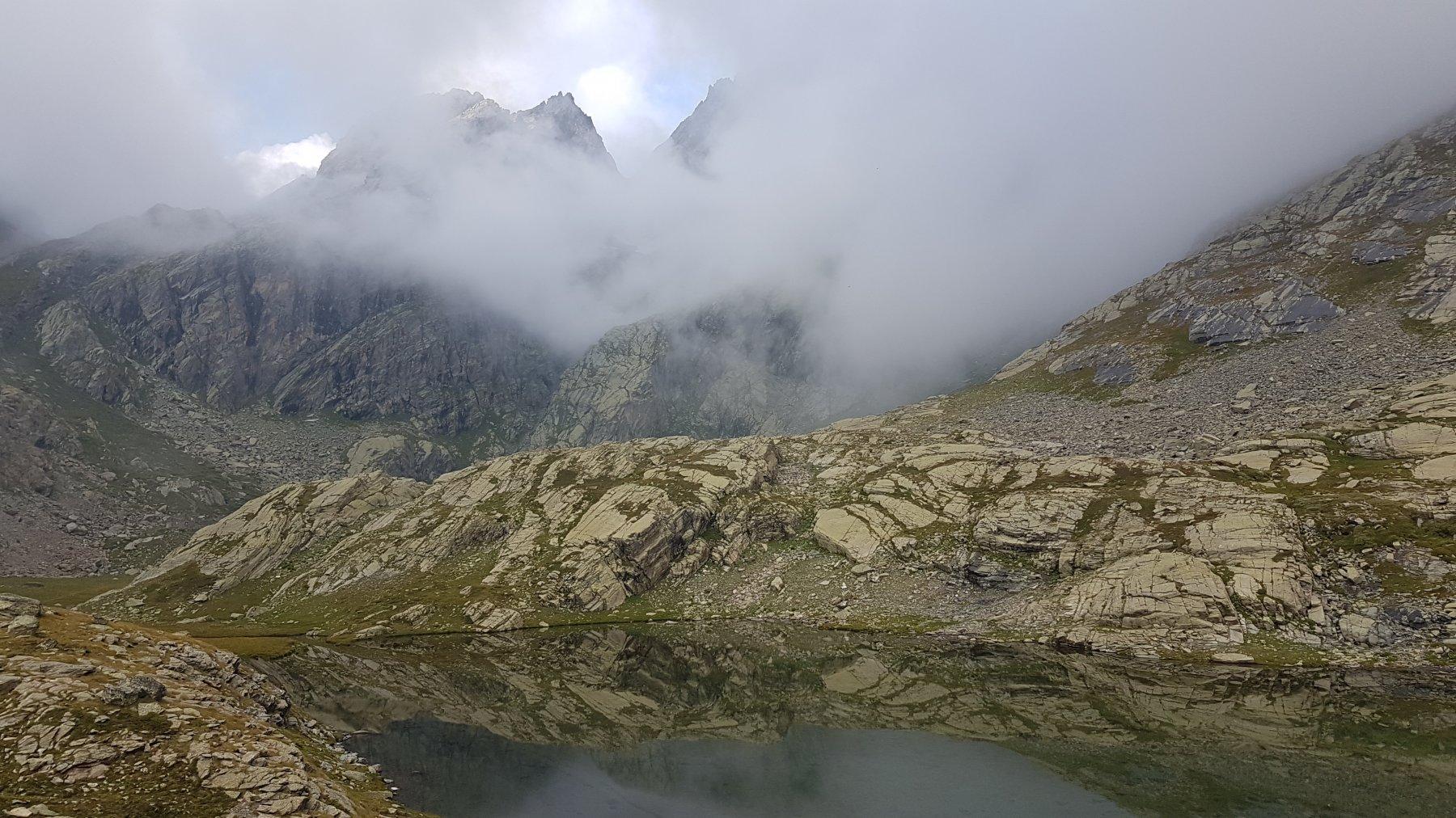 La Gastaldi e il Visolotto nella nebbia dal Vallanta