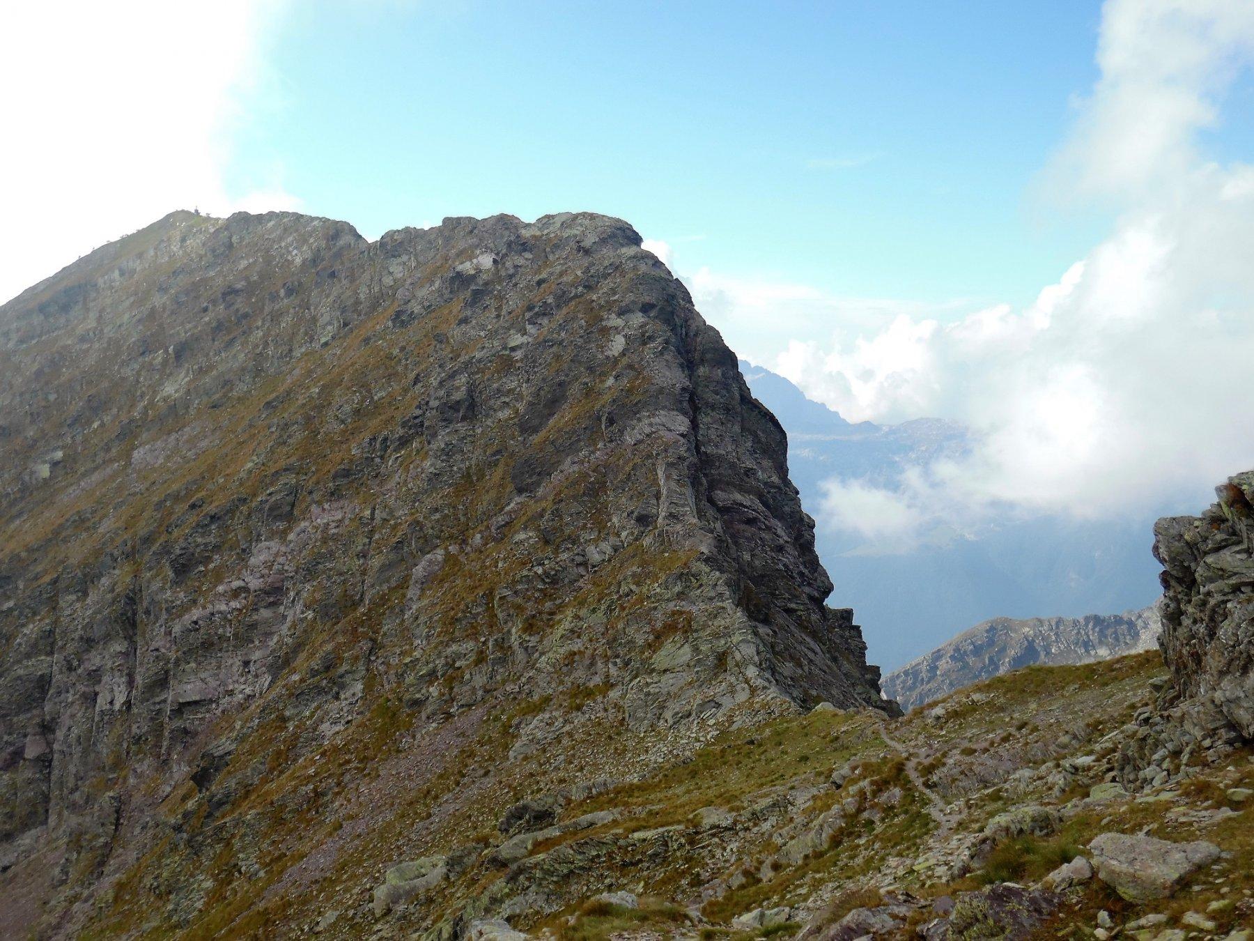 Sella tra il Tornone (cresta nord al centro) e il Tornello