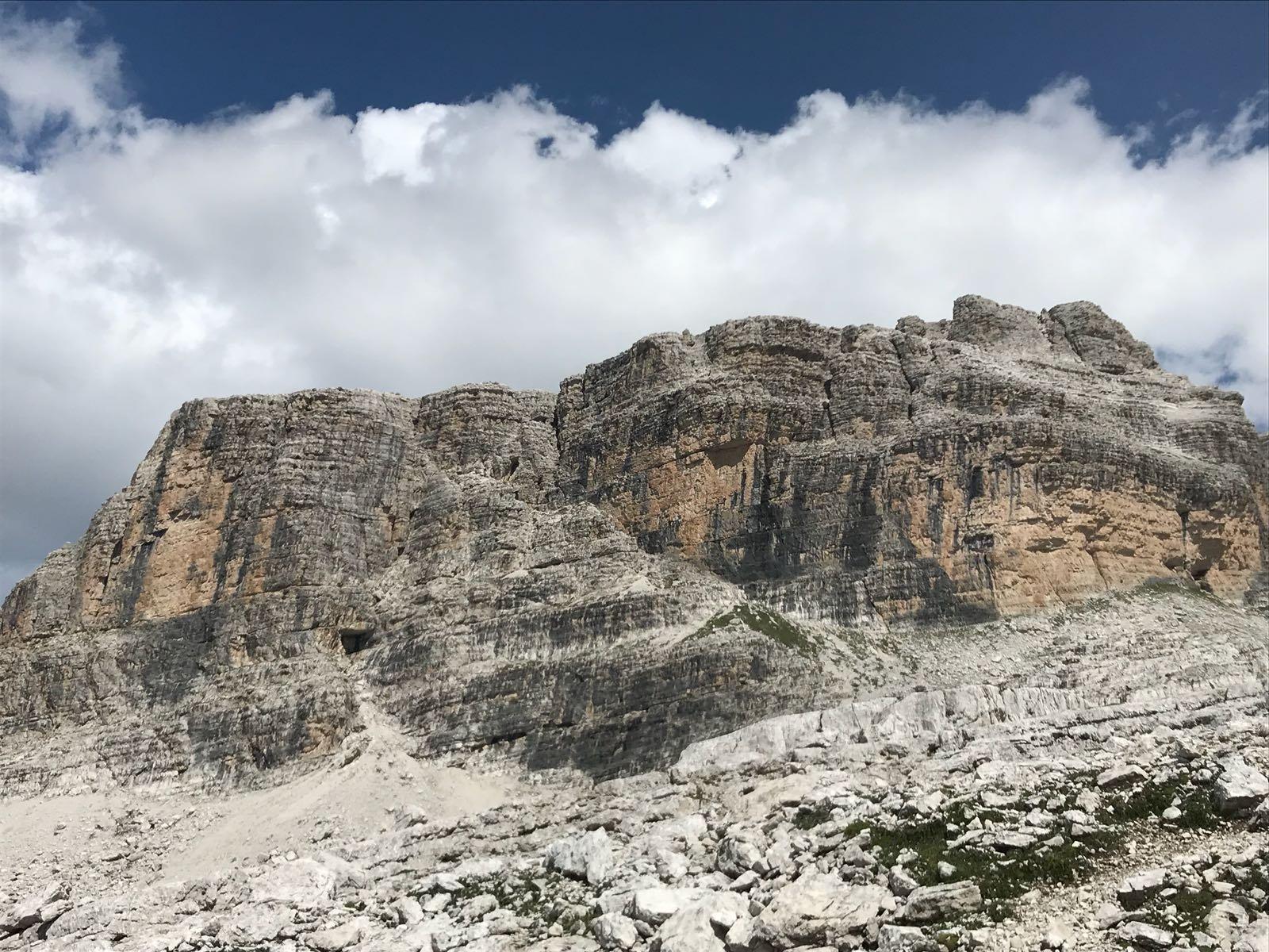 Castello di Vallesinella con lo Spallone Ovest