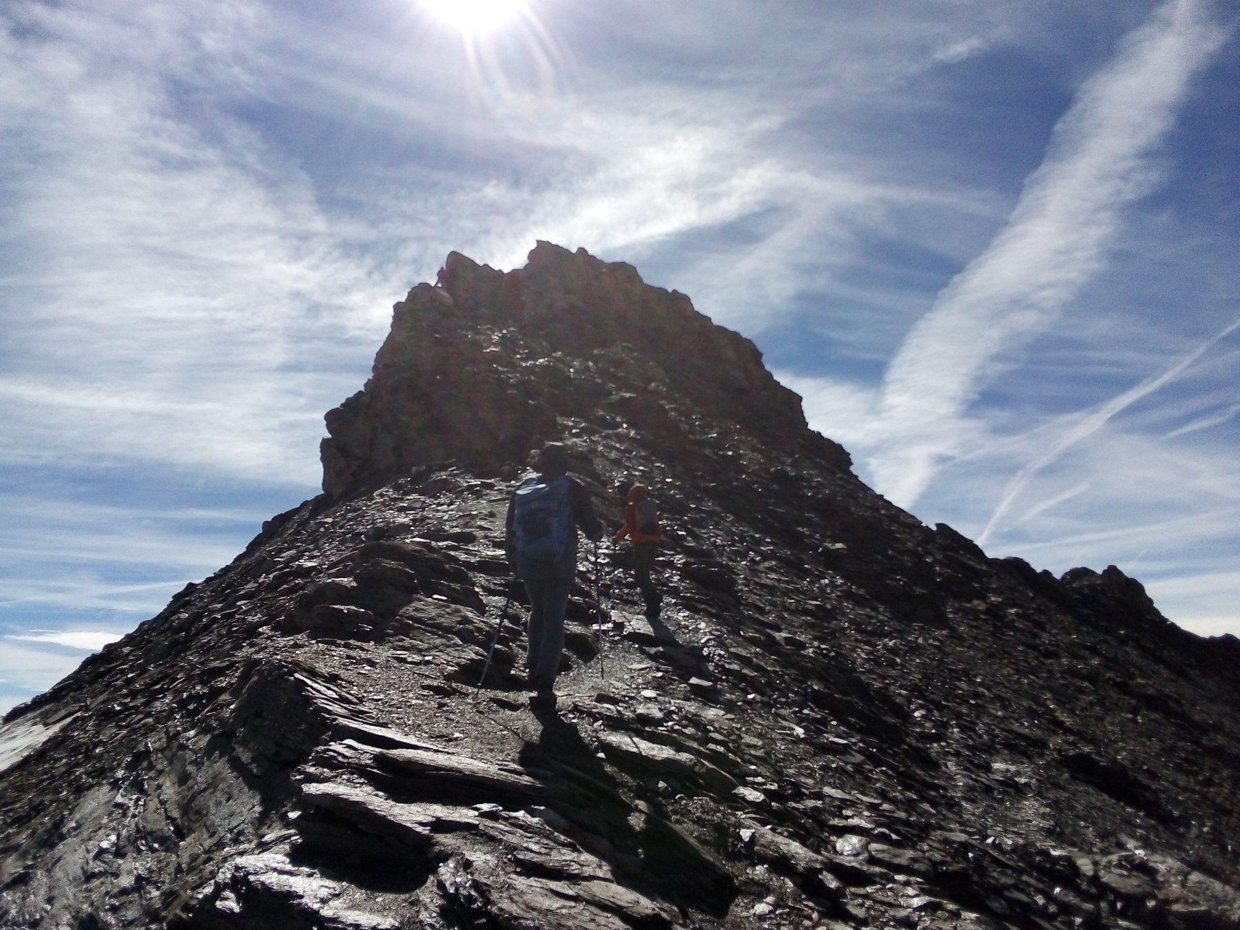La cima dalla cresta.