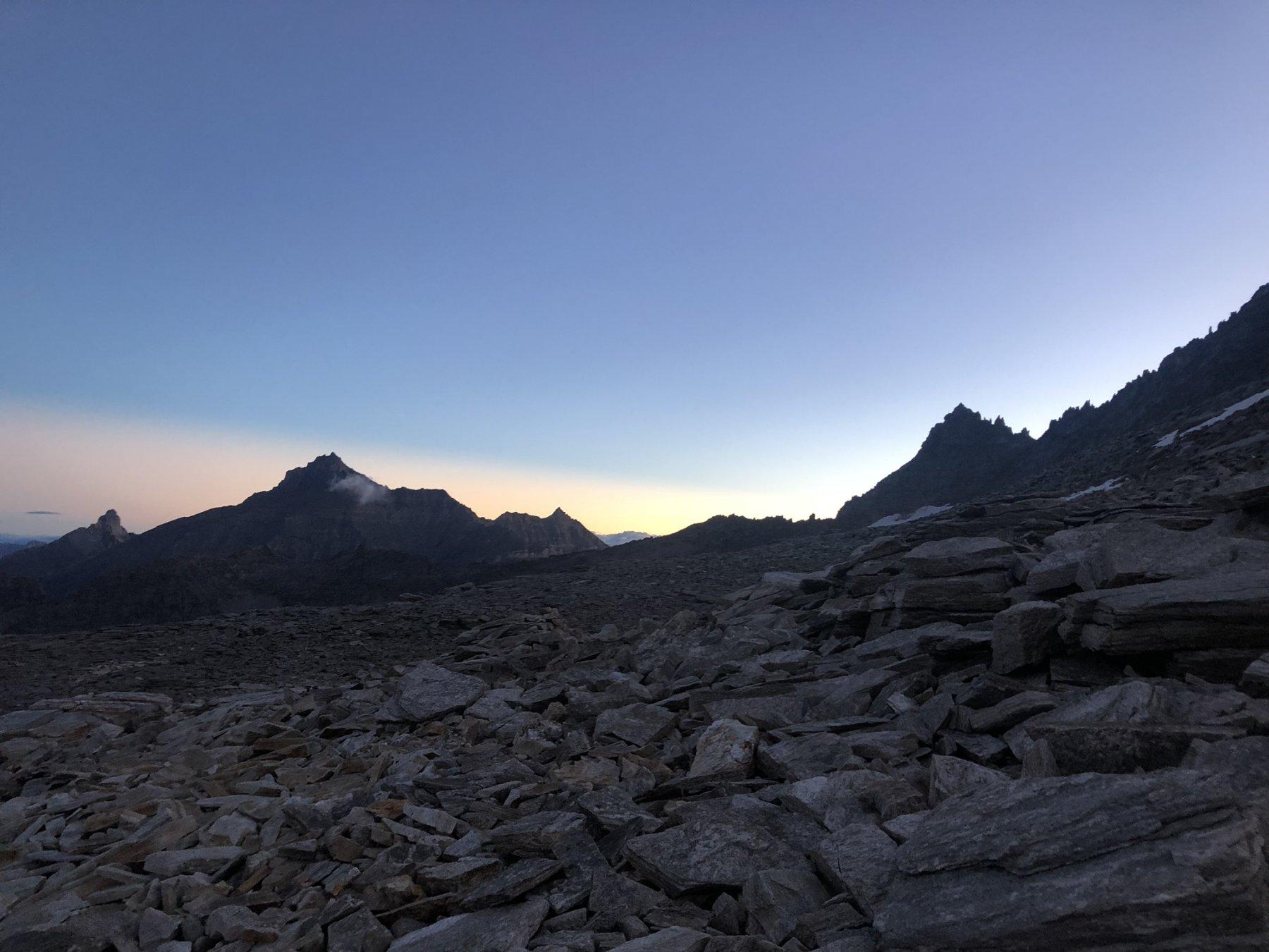 All'alba, nei pressi dell'attacco al ghiacciaio
