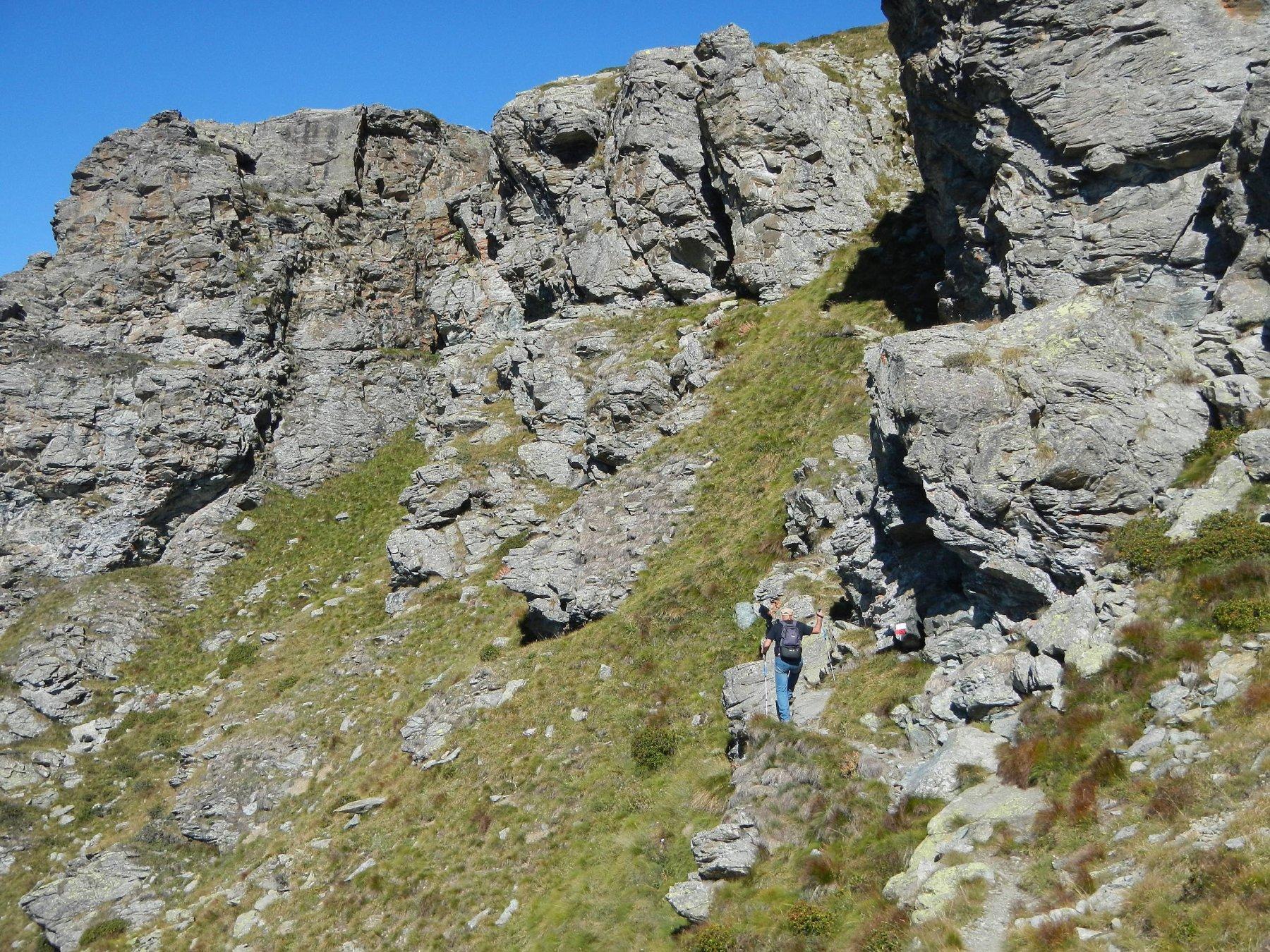 il tratto del versante esposto a sud ovest sotto la cima
