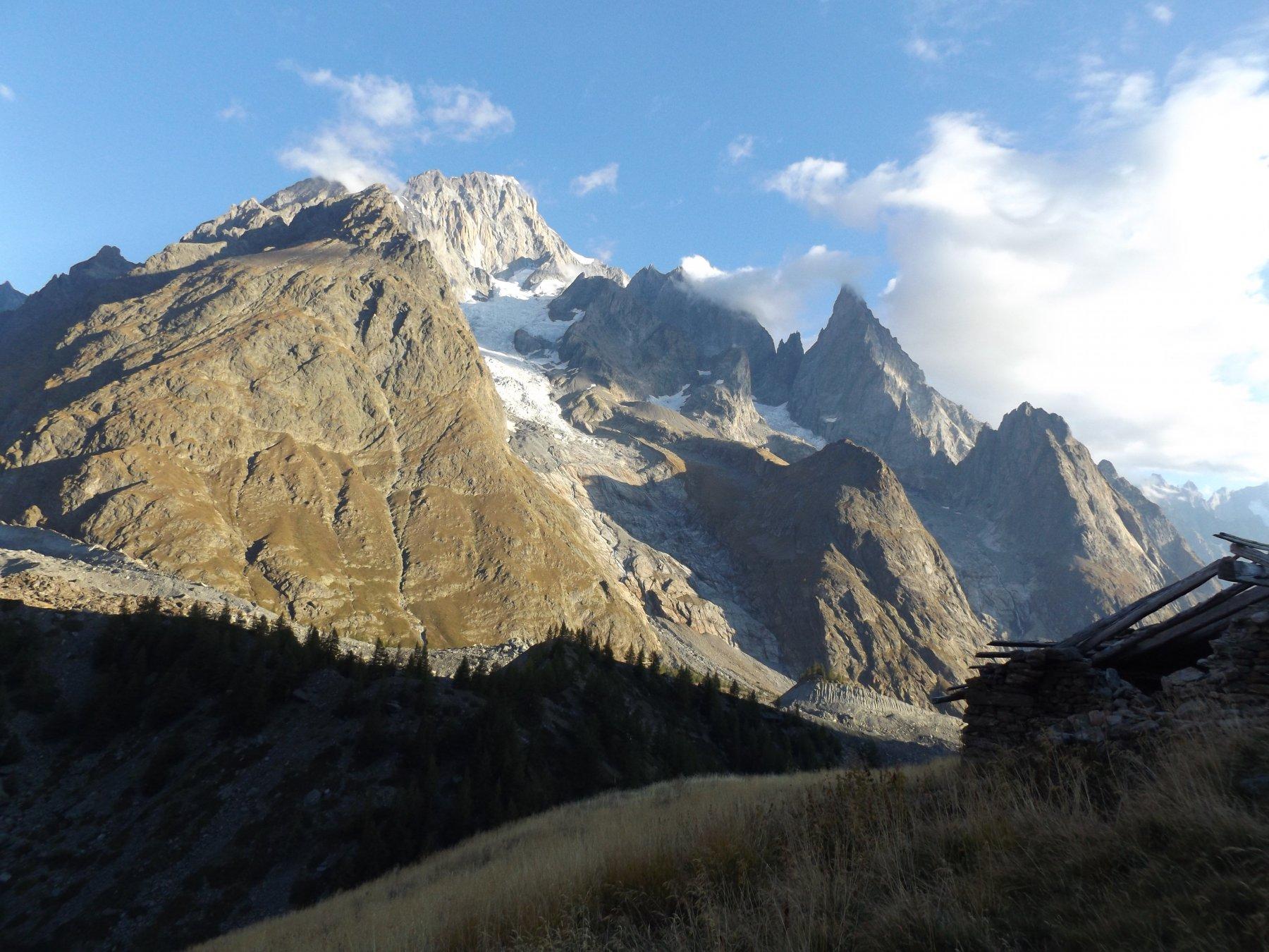 Gruppo del Bianco dall'alpeggio Arp Vieille